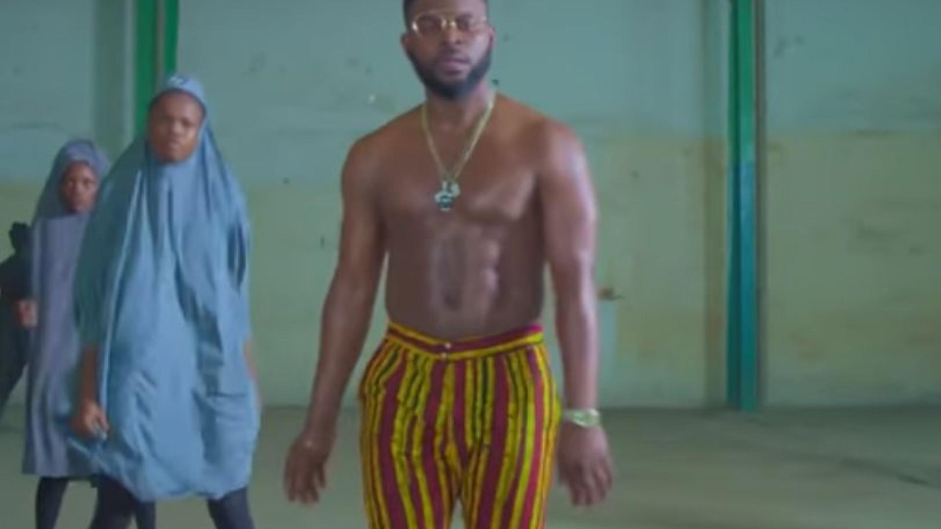 Rádio multada por passar o êxito 'This is Nigeria'