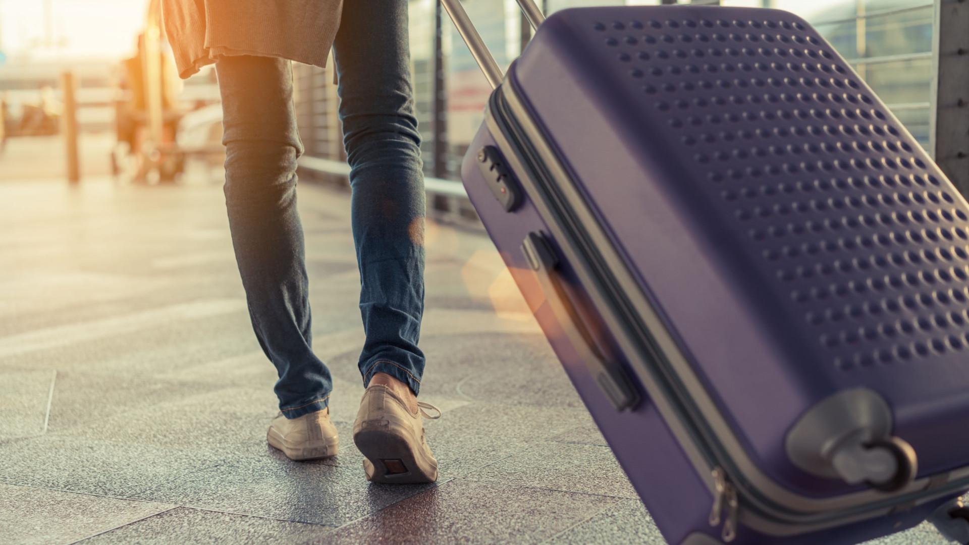Encerram aeroporto devido a mala suspeita. Eram apenas brinquedos sexuais