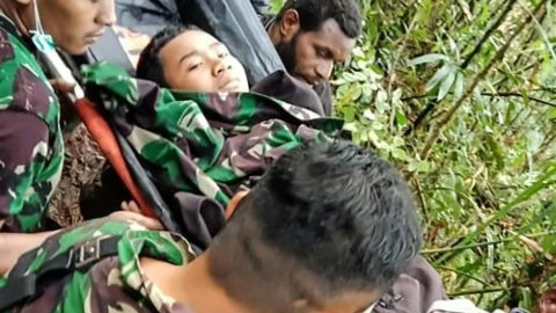 Tem 12 anos e é o único sobrevivente da queda de um avião na Indonésia
