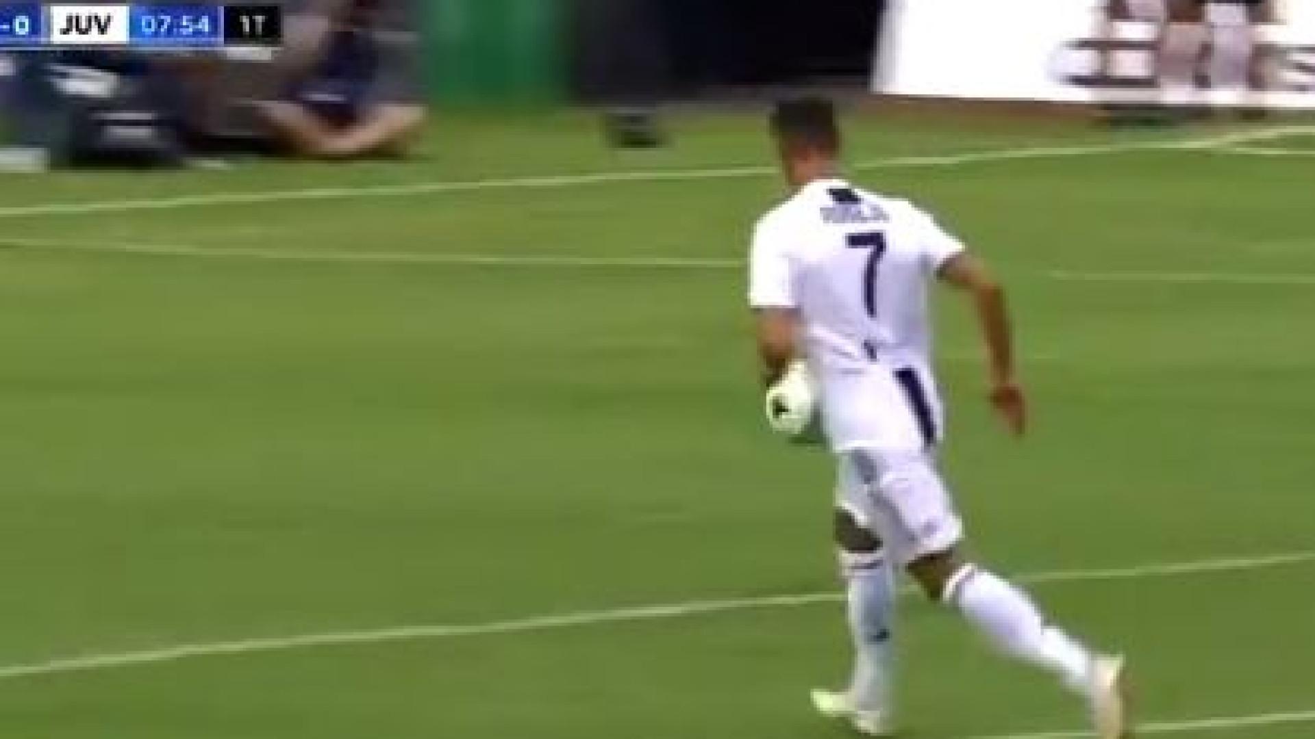 Cristiano Ronaldo já marca com o número 7 da Juventus