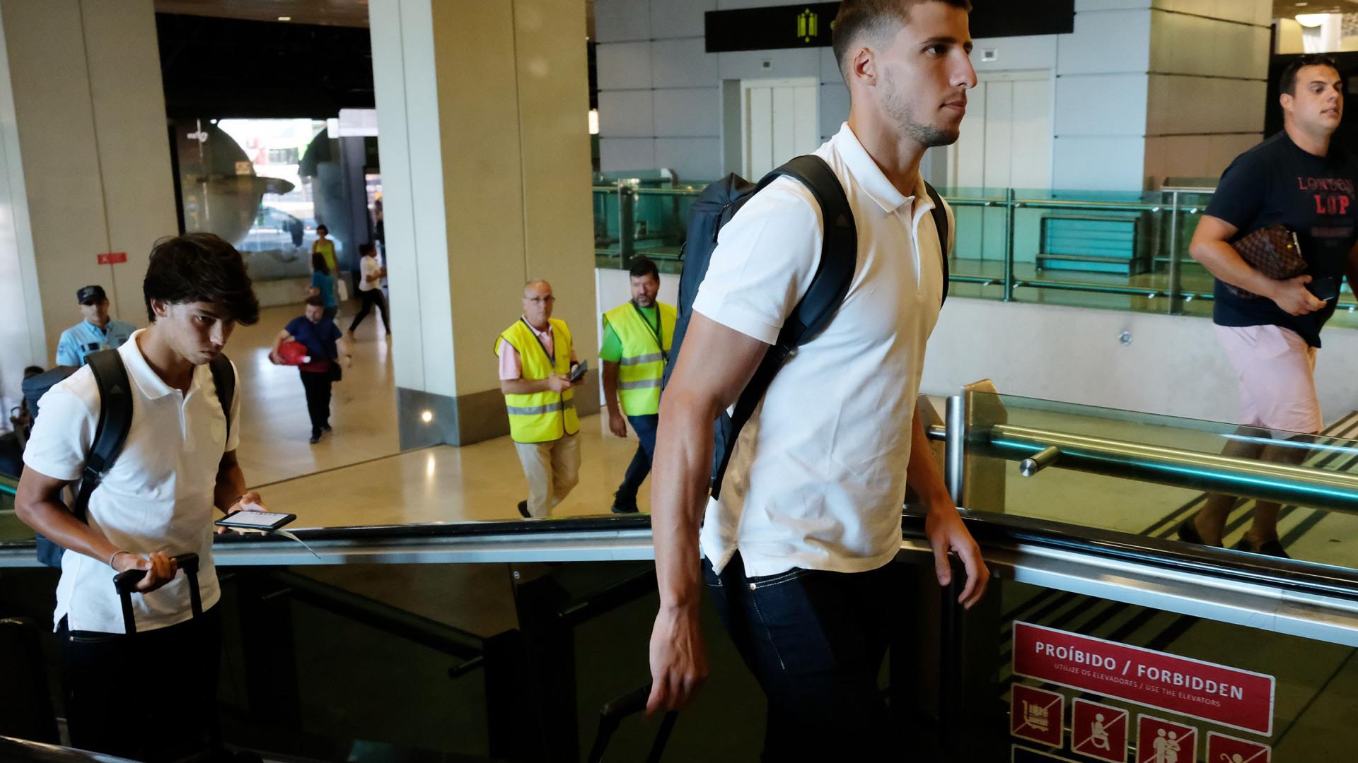 Negócio Rúben Dias: Vieira prepara-se para receber 'cheque' gordo do Lyon