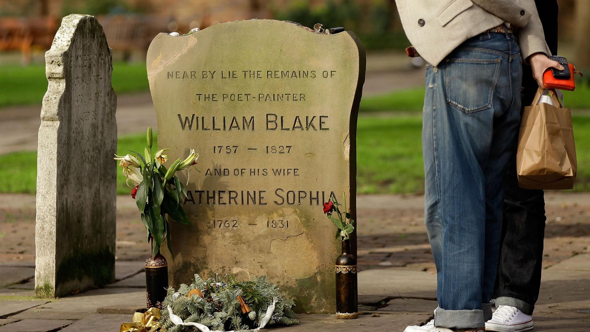 Inaugurada campa real de William Blake, descoberta por casal português