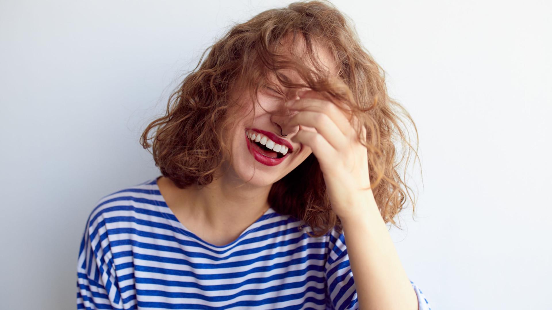 Quem mais procura a felicidade, mais emoções negativas atrai, diz estudo
