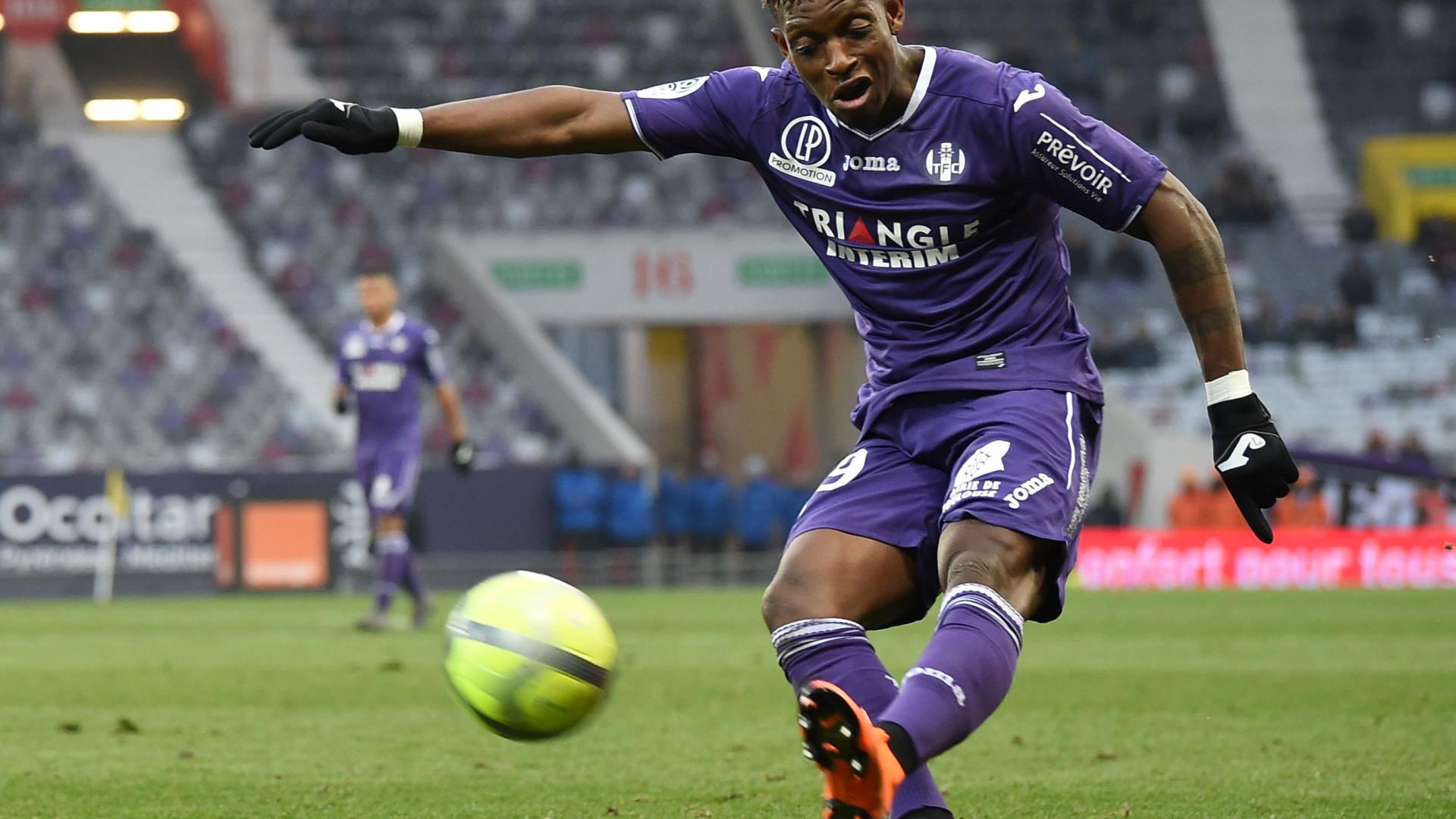 Lateral do Toulouse na agenda do FC Porto