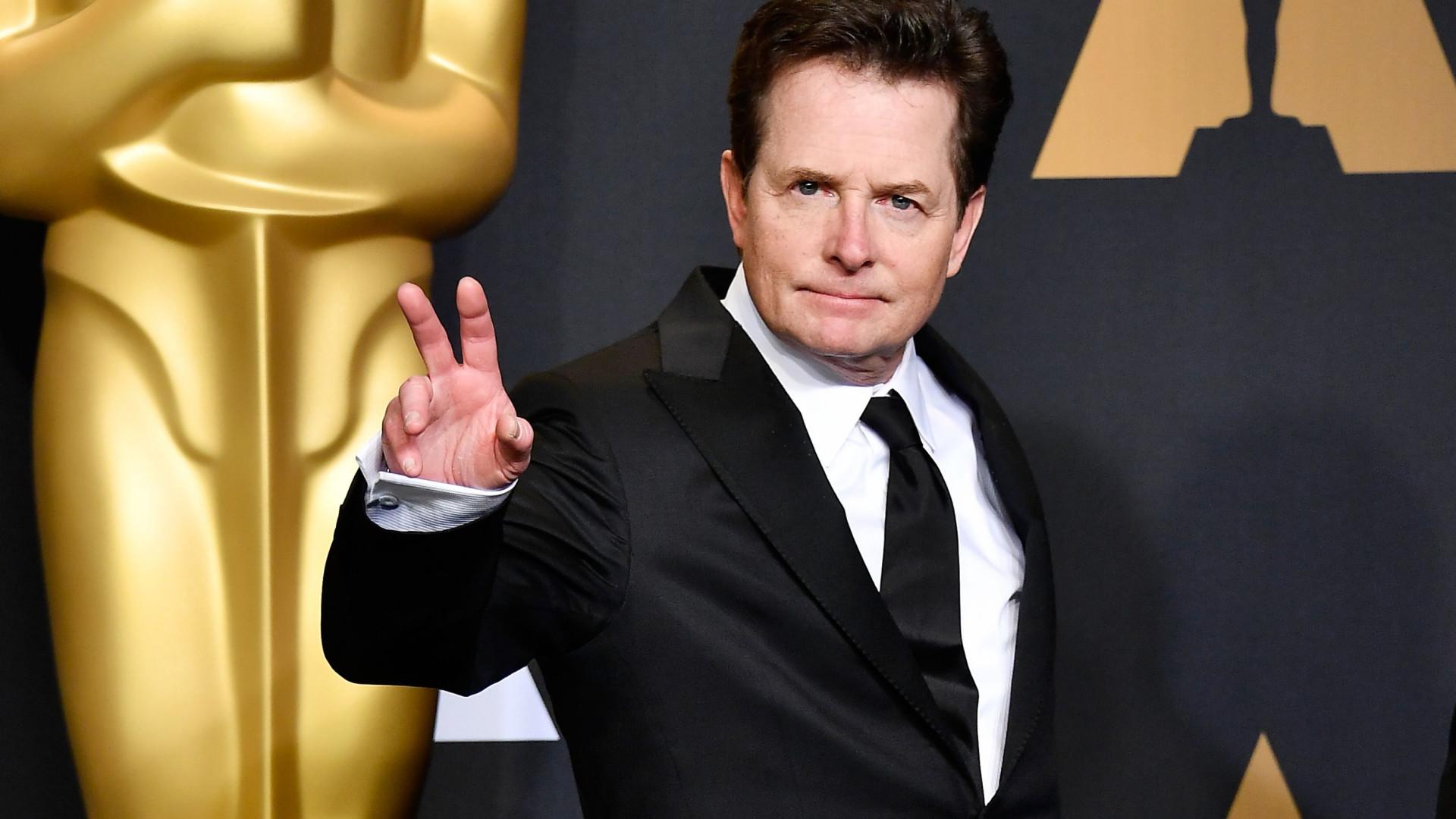 Michael J. Fox diz que 'caiu no álcool' após saber que tinha Parkinson