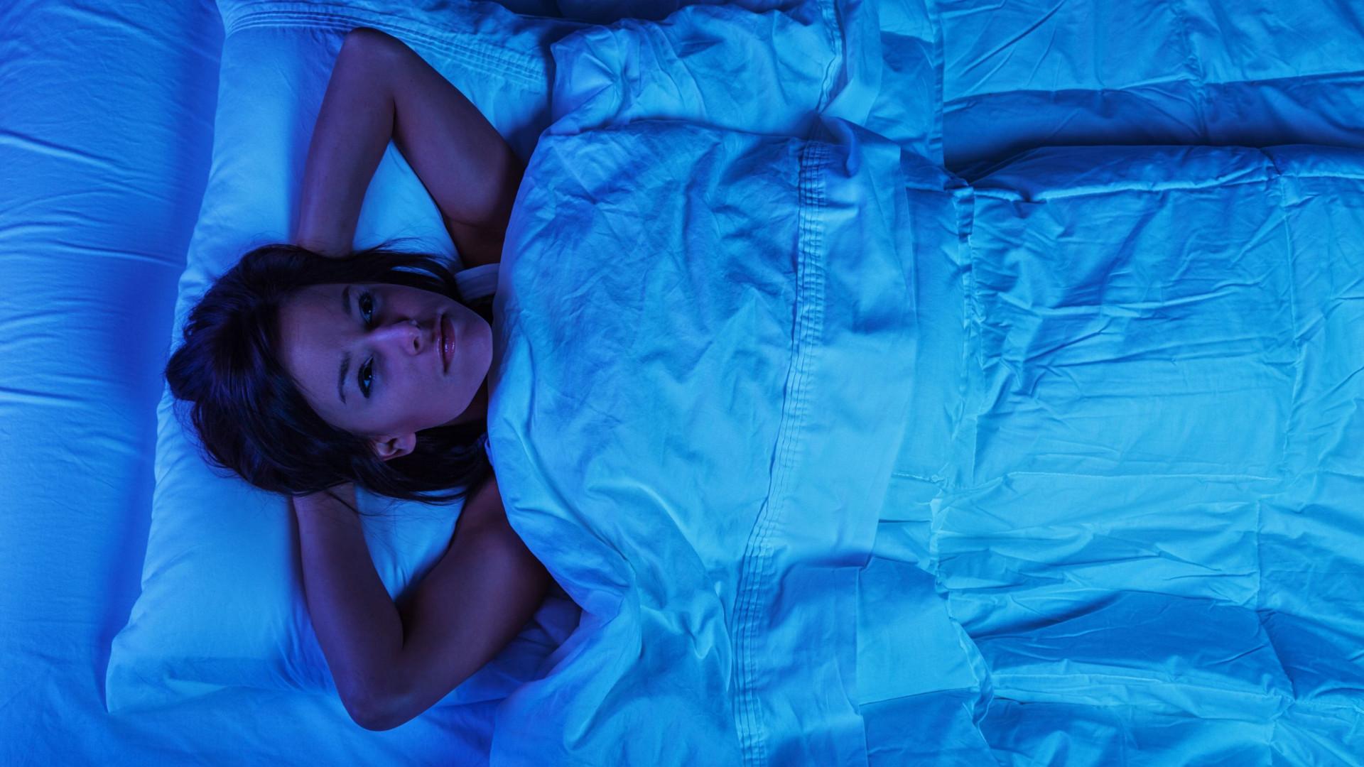 """""""Leprosos sociais"""". Dormir pouco torna-o menos atrativo e acessível"""