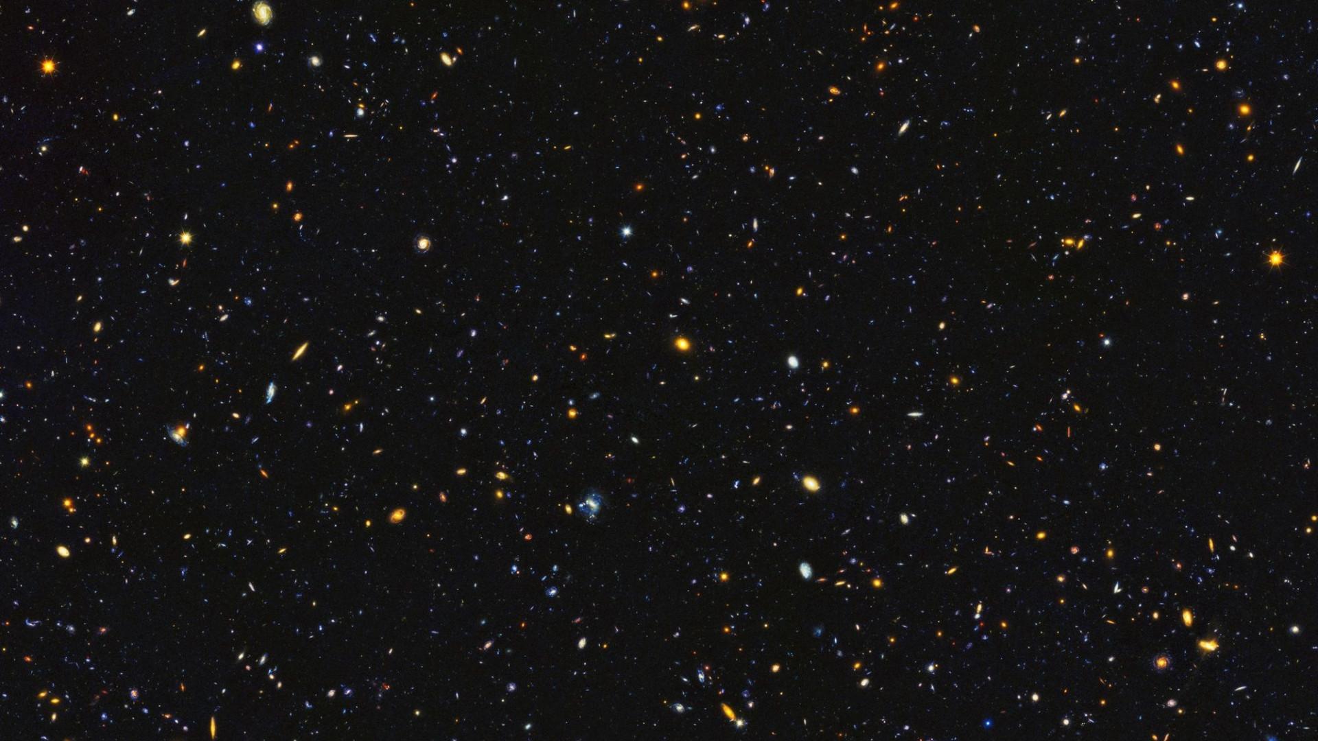 Nova fotografia do Hubble tem cerca de 15 mil galáxias