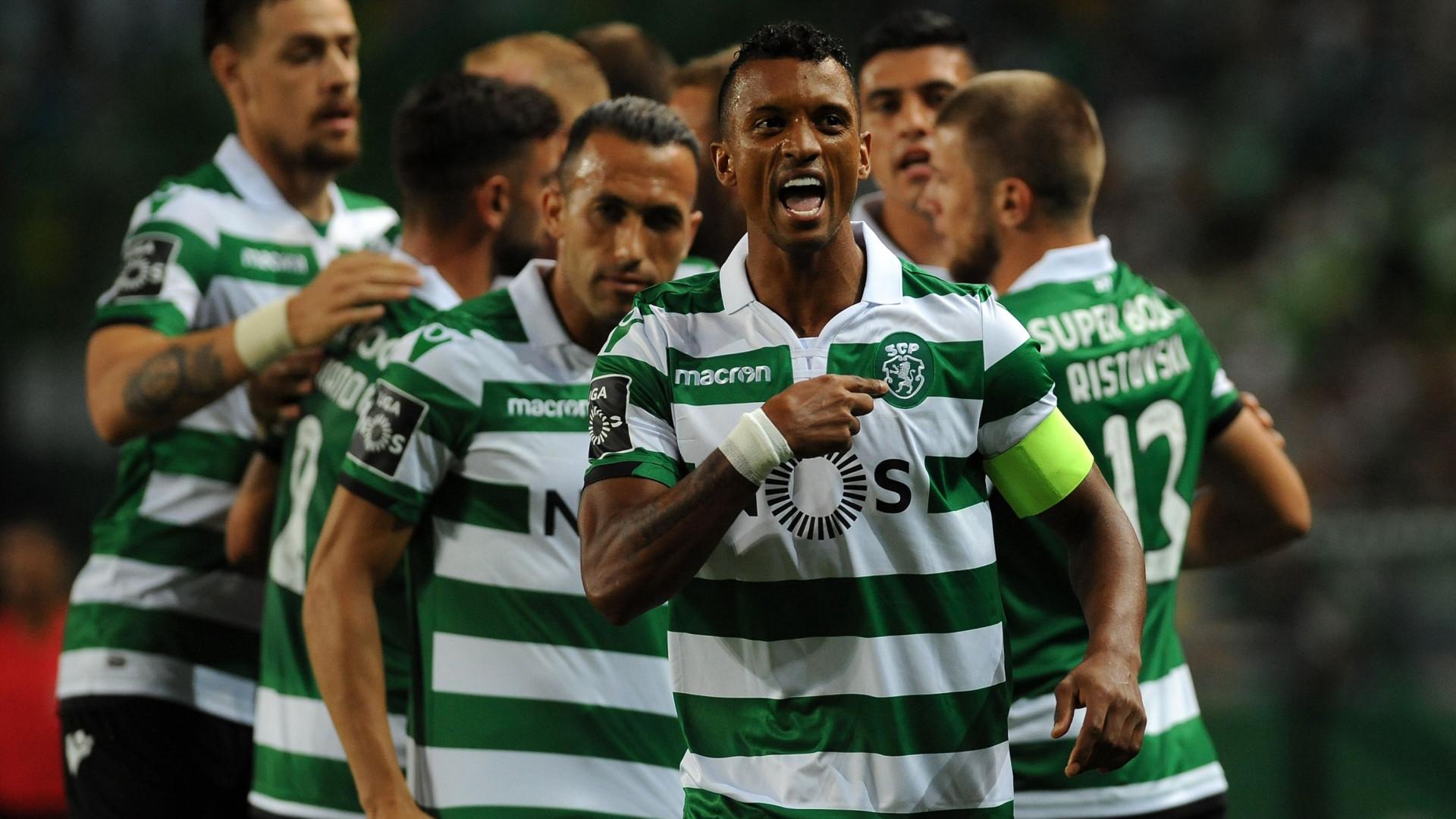 ... ao Benfica e ao FC Porto para o campeonato nacional. O jogador  português apontou apenas um tento aos azuis e brancos dee42a7818f61