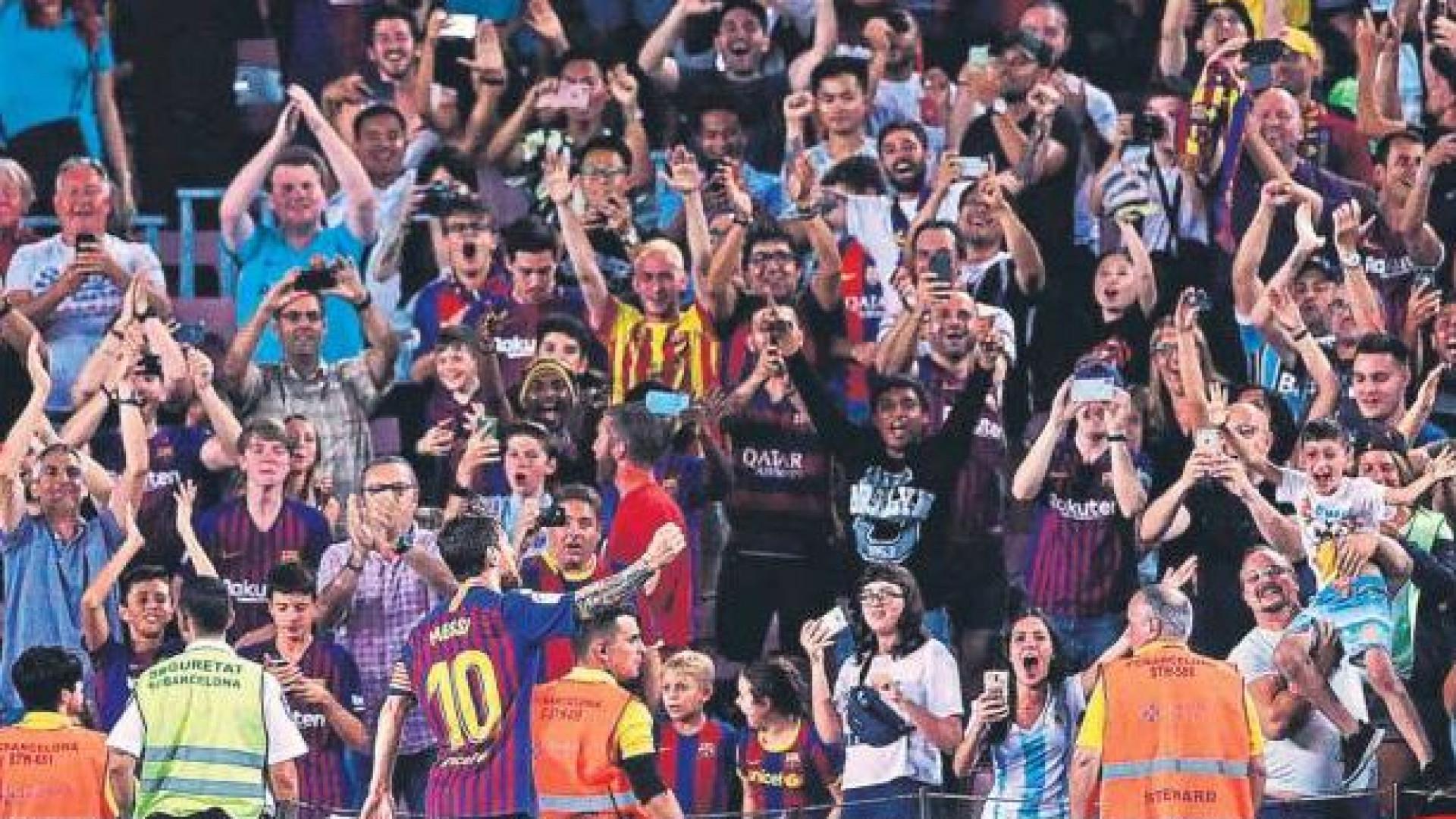 Lá fora: A estreia deCR7, o génio de Messi e as palavras duras de Mou