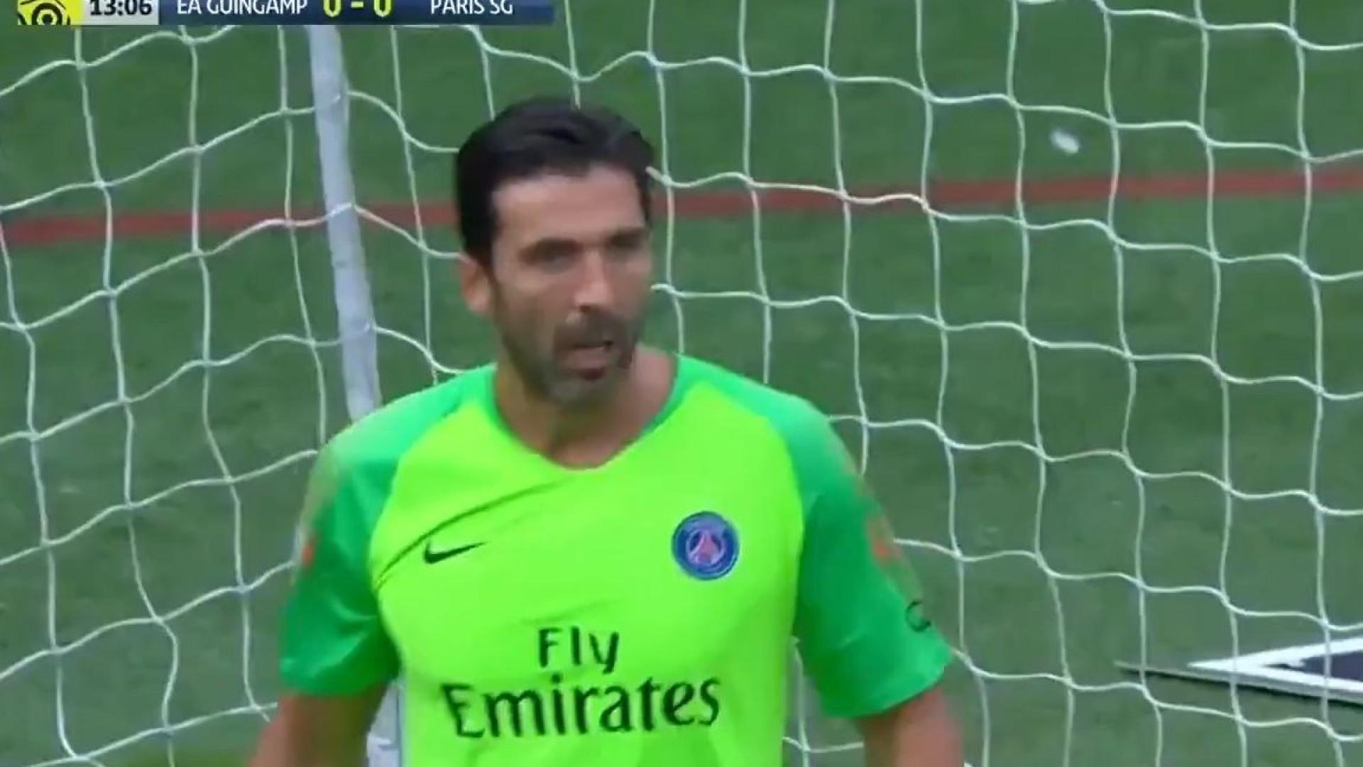 Esta incrível defesa de Buffon prova que a idade é apenas um número