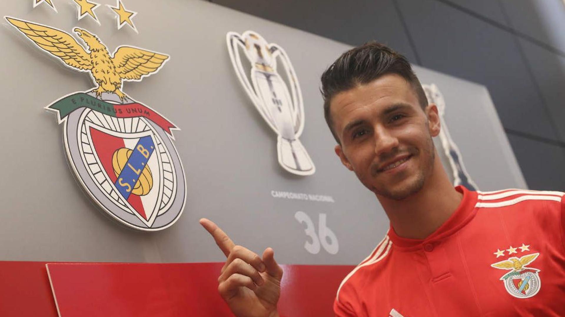 Corchia oficializado como reforço do Benfica