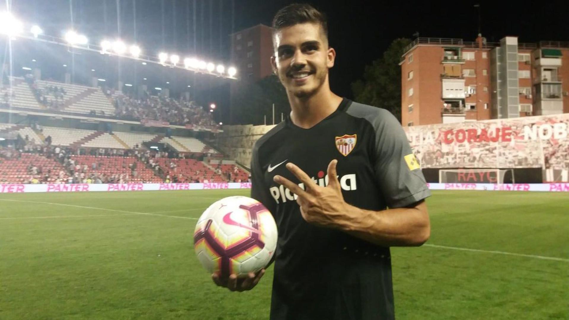 Histórico: André Silva fez aquilo que Romário tinha feito... há 25 anos
