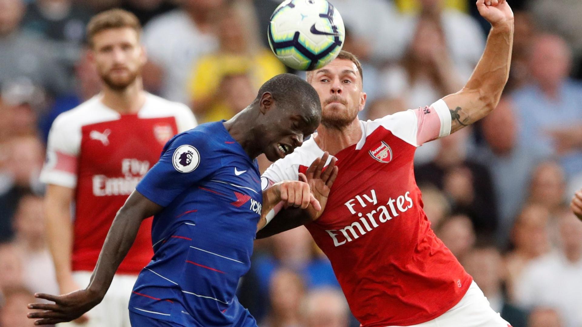 Adepto do Arsenal encontra Kanté na rua. Jogador pediu-lhe desculpa
