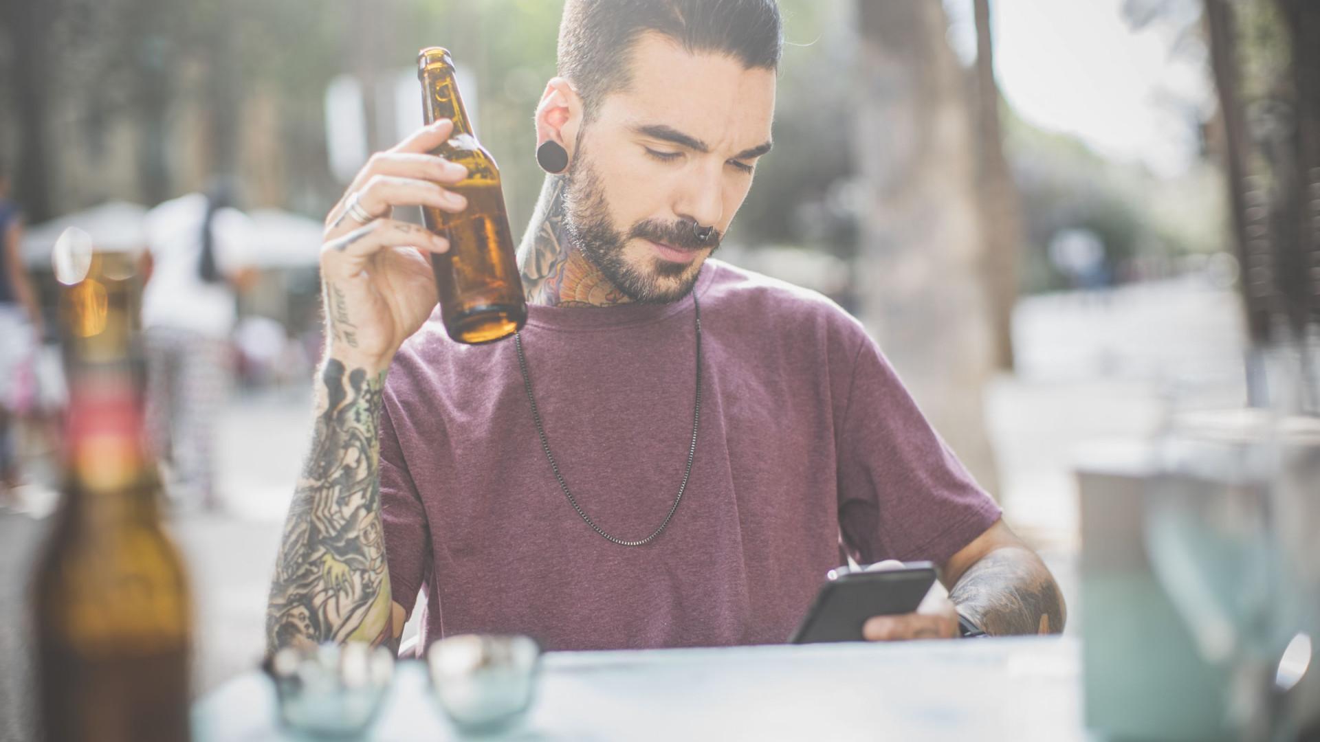 Esta é a quantidade de álcool que aumenta o risco de cancro da próstata