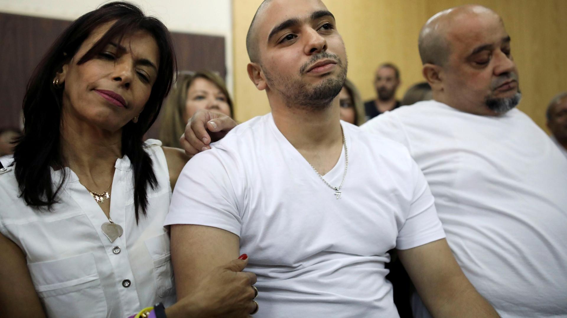 Soldado que abateu palestiniano imobilizado diz que não se arrepende
