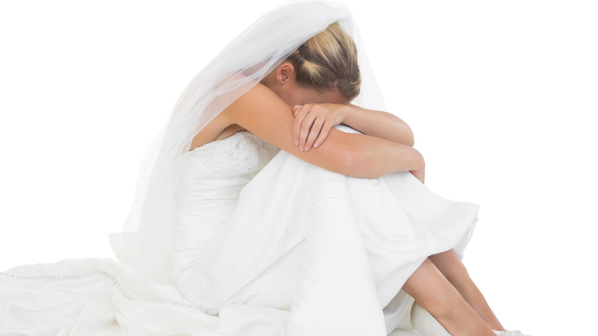 Pediu 1.200 euros a convidados de casamento. Evento foi cancelado