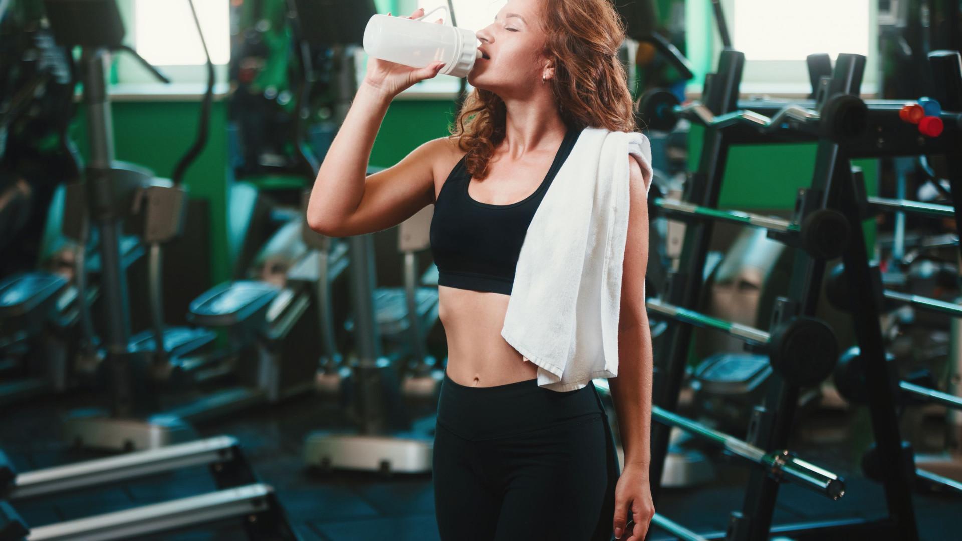 Será que deve mesmo beber batidos de proteína após o treino?