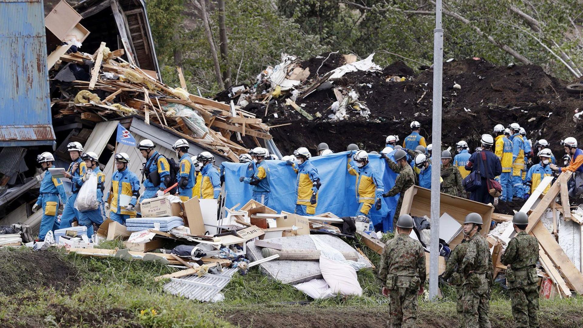 Sobe para 30 o número de mortos devido a sismo no Japão