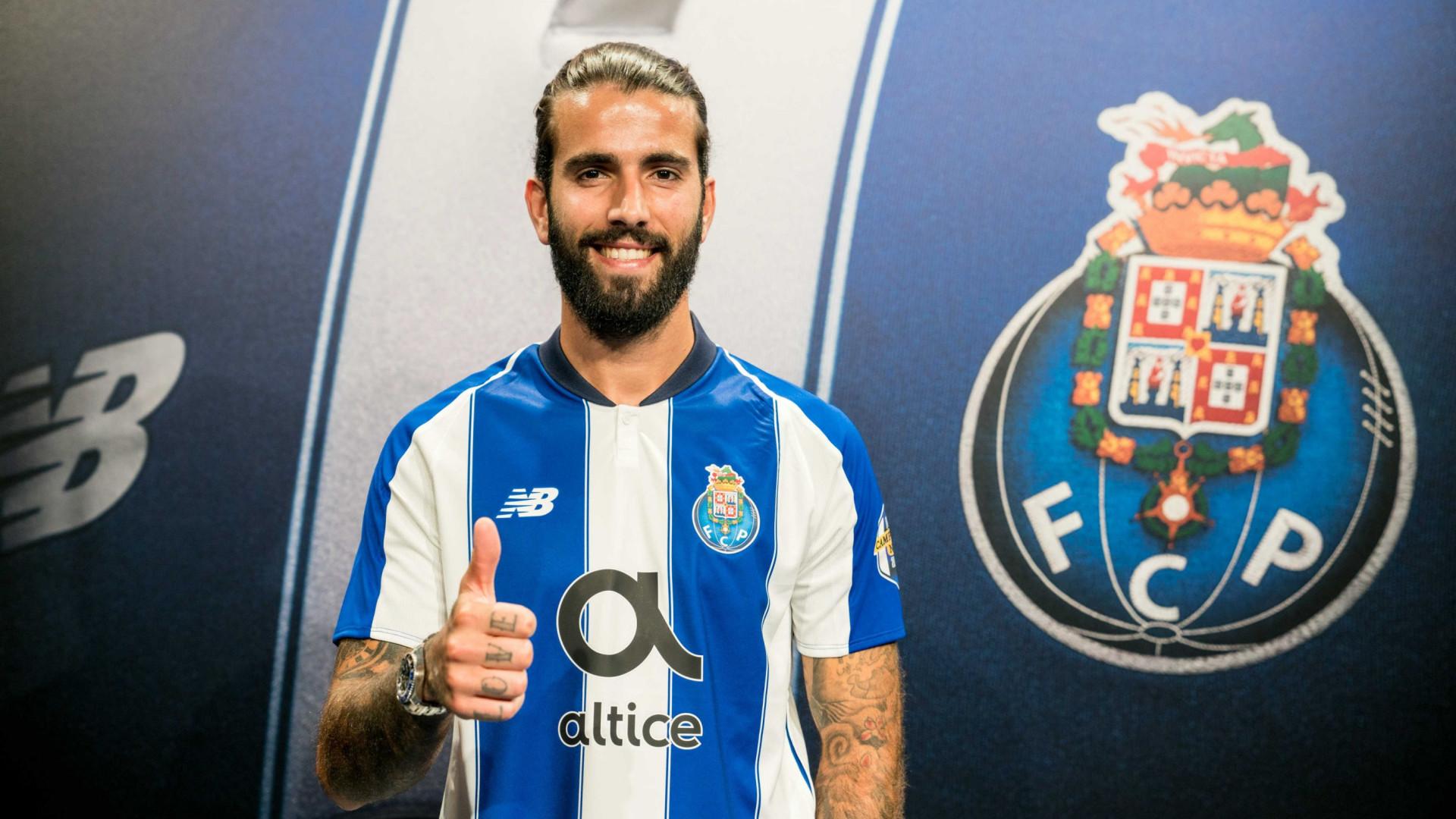 Oficial: FC Porto renova contrato com Sérgio Oliveira