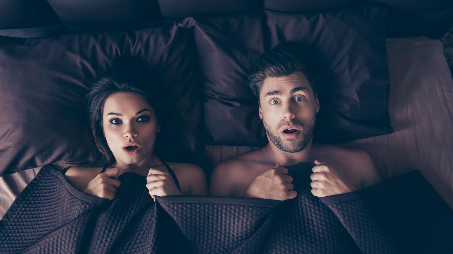 Conheça os hábitos dos homens e das mulheres na cama. Não é o que pensa