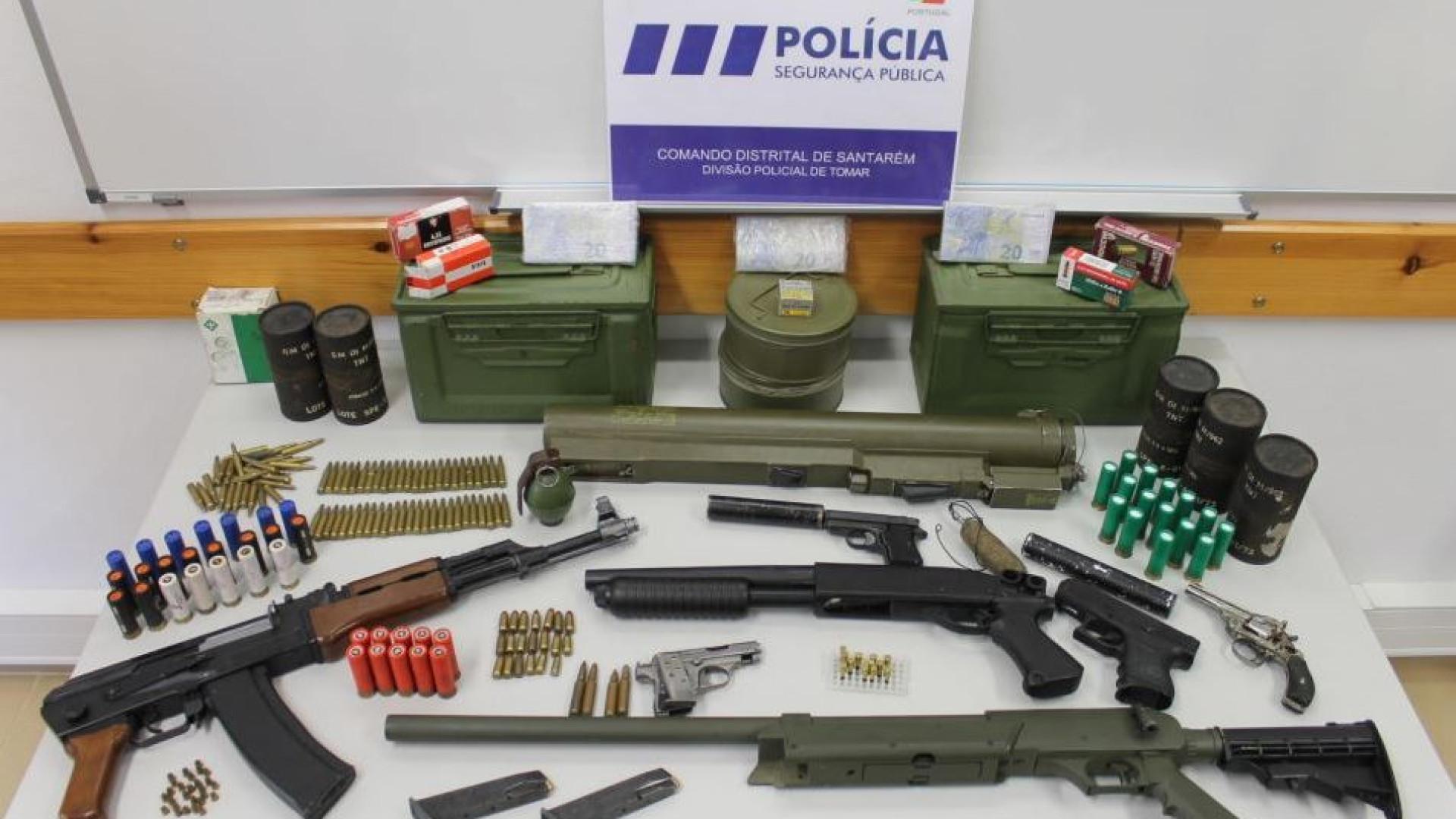 Homem detido com armas de guerra em Santarém