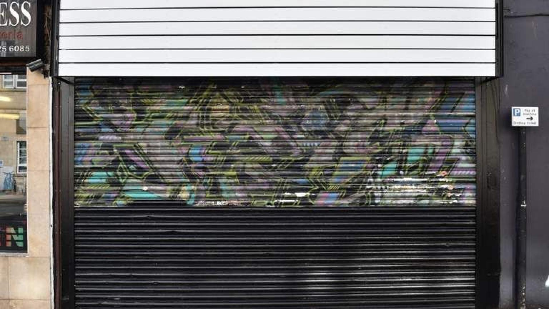 Mural de Banksy pintado por cima por acidente no Reino Unido