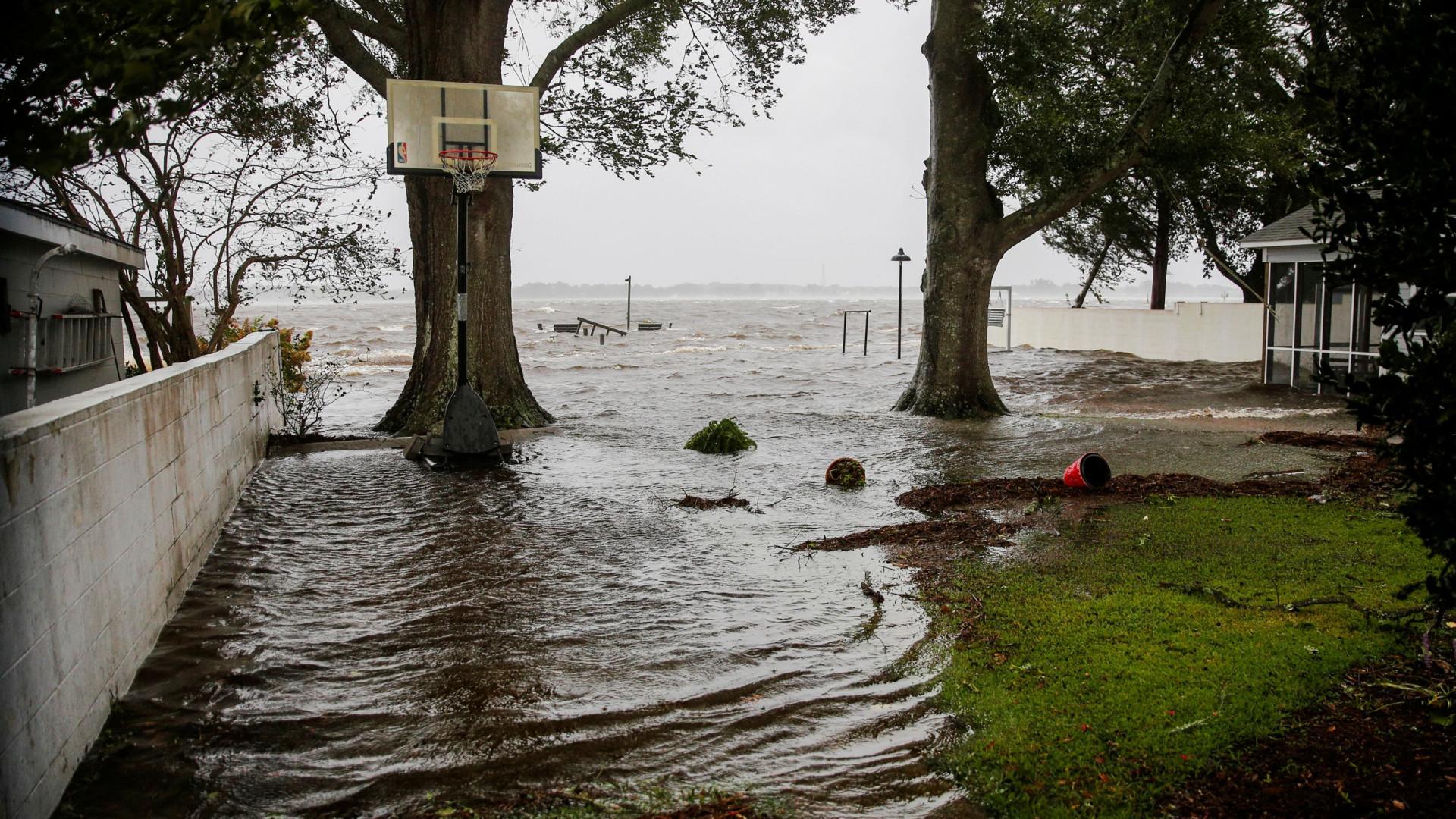 Olho do furacão Florence está a chegar à costa da Carolina do Norte