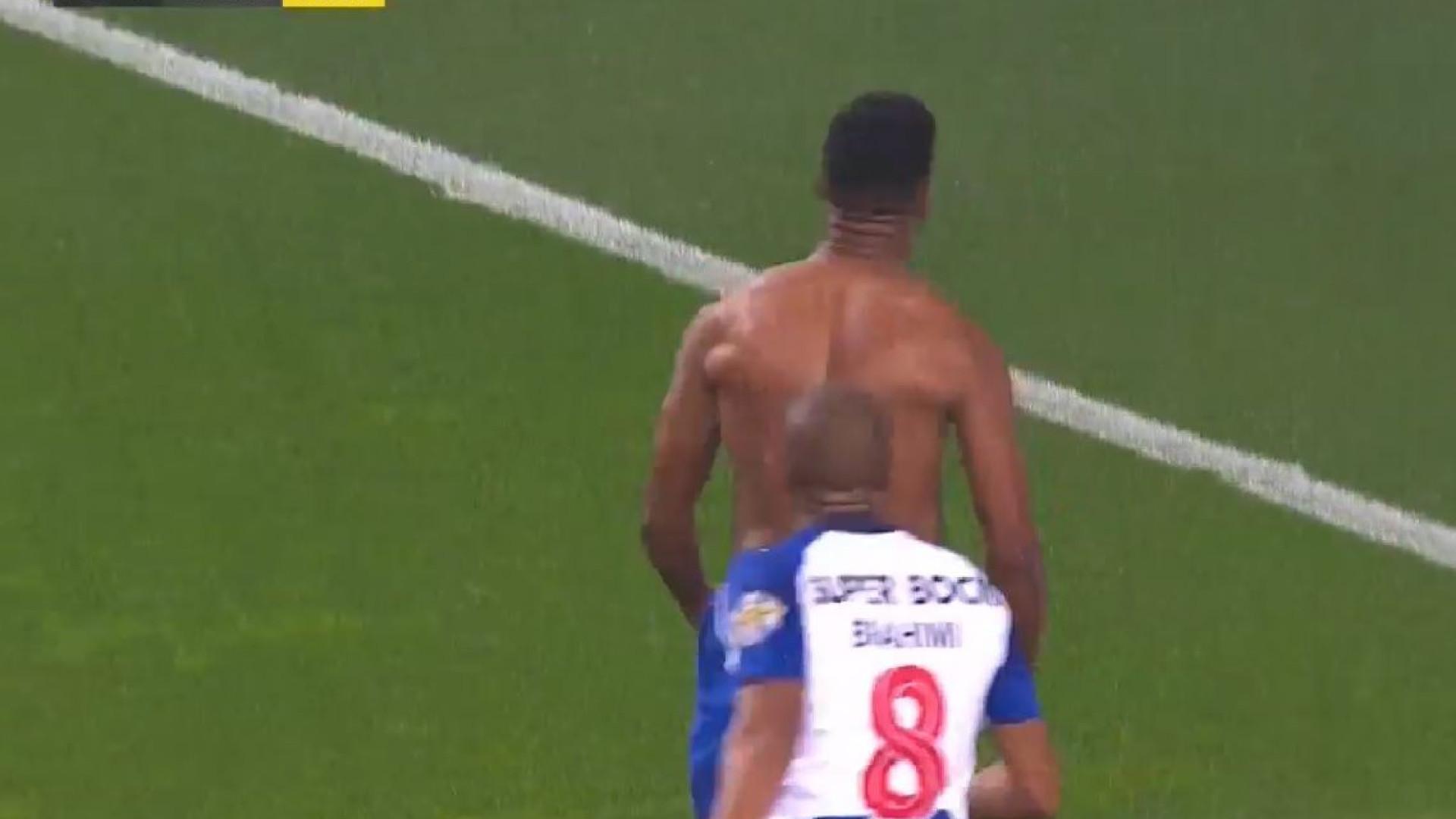 Hernâni, à queima-roupa, não deu hipótese e colocou o FC Porto na frente