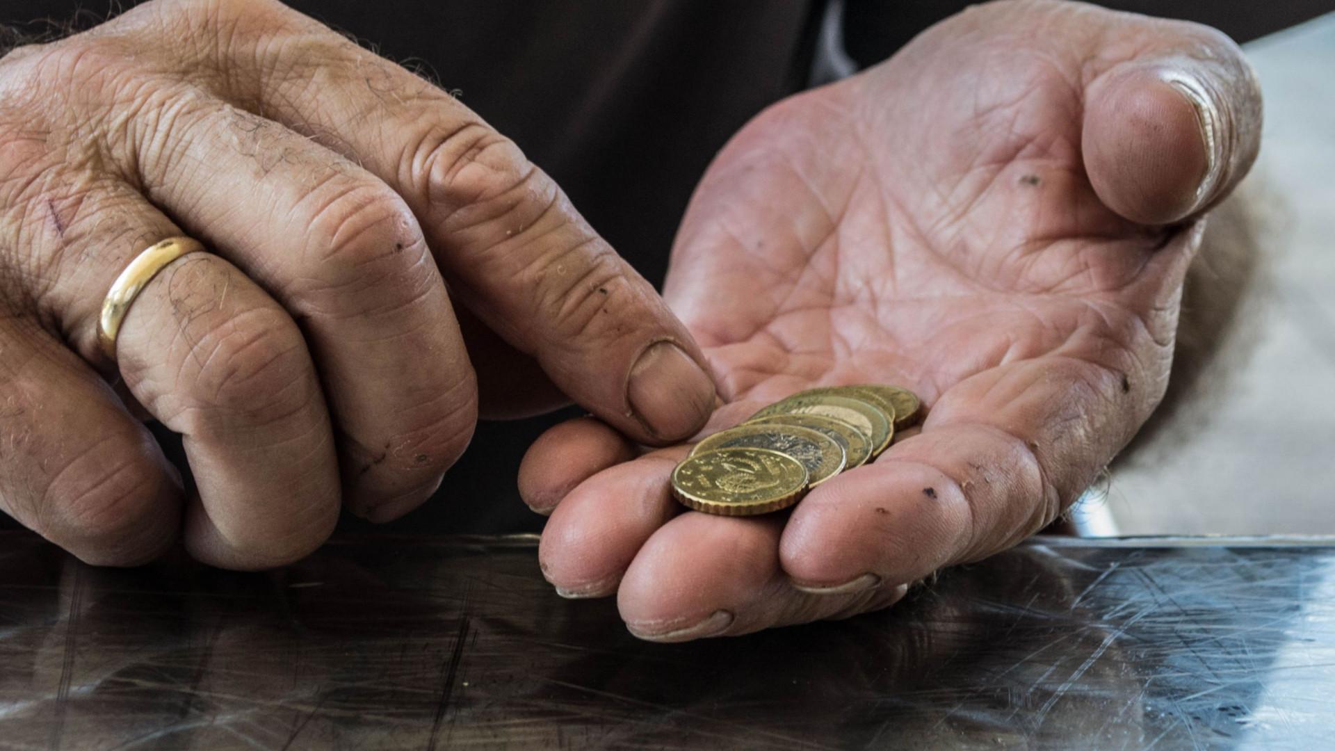 PS propõe alargar alívio dos cortes às pensões antecipadas no Estado