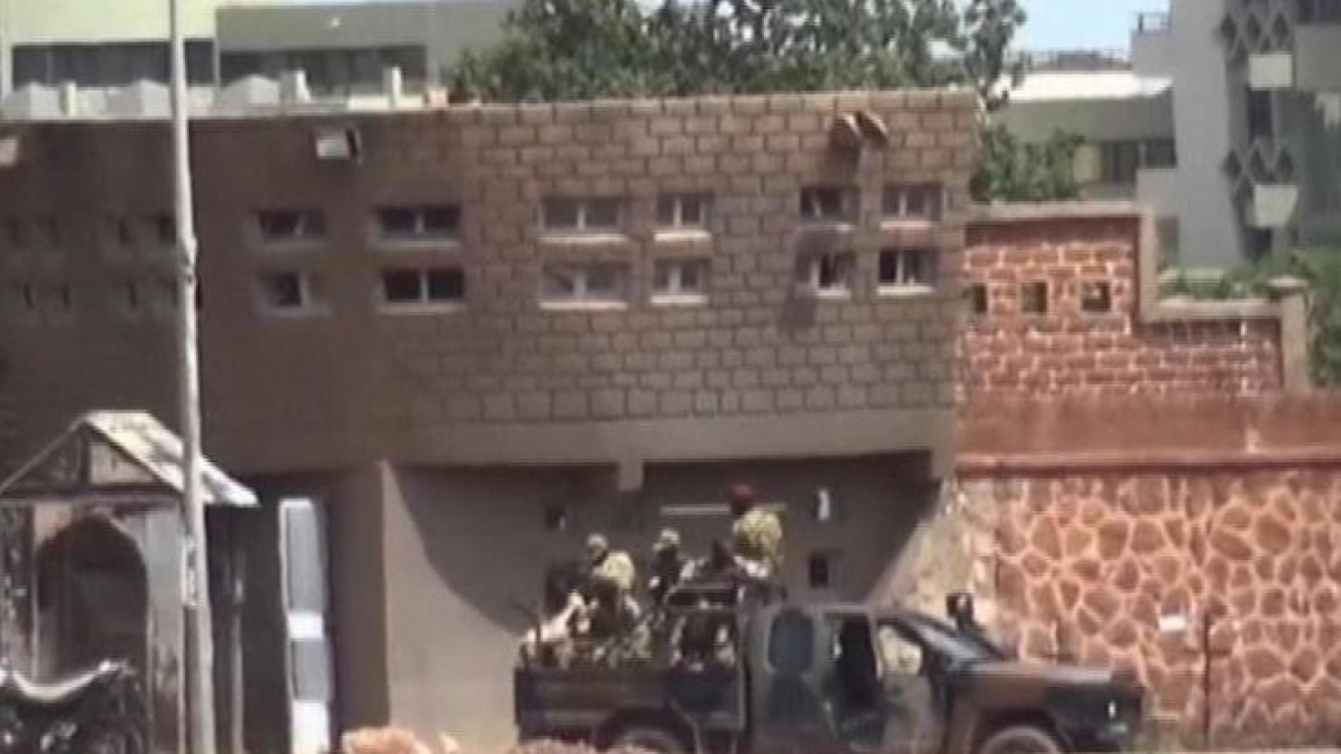 Pelo menos oito mortos em dois ataques no Burkina Faso