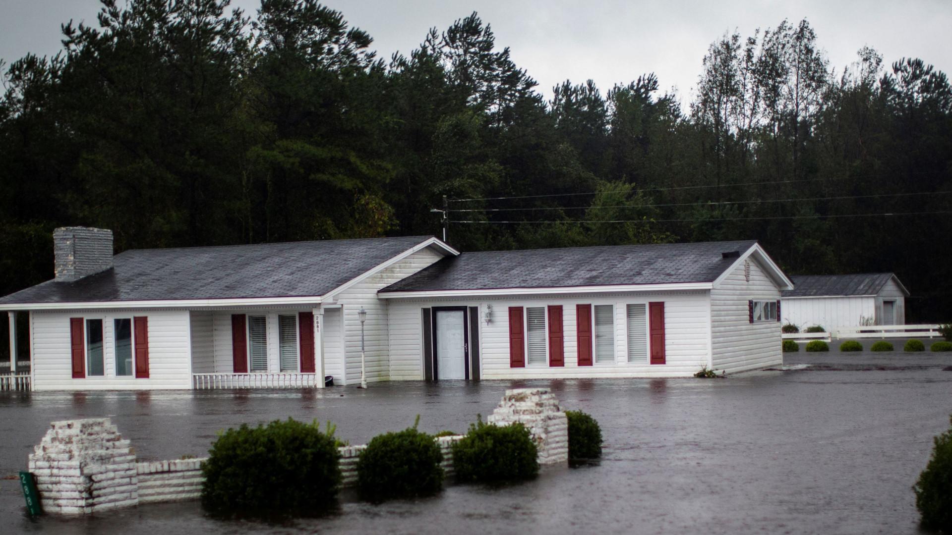 Pelo menos 13 pessoas morreram nos EUA devido à tempestade Florence