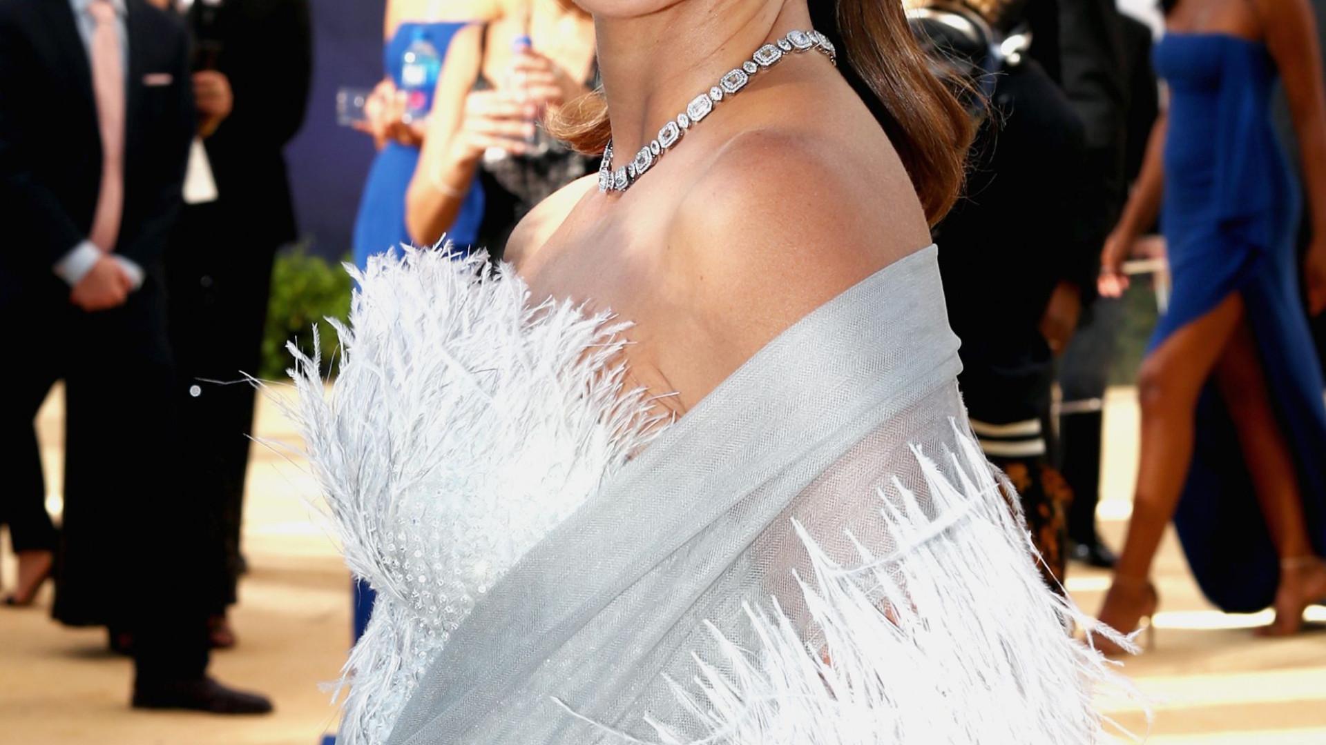 Emmy: Vestido de Penélope Cruz demorou mais de 200 horas a ser feito