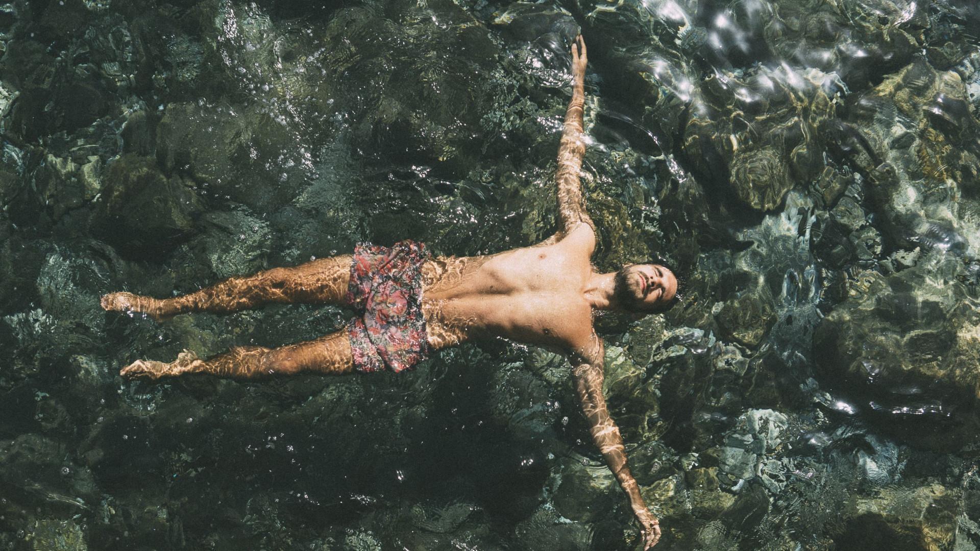 O melhor antidepressivo está na natureza, basta nadar em águas geladas
