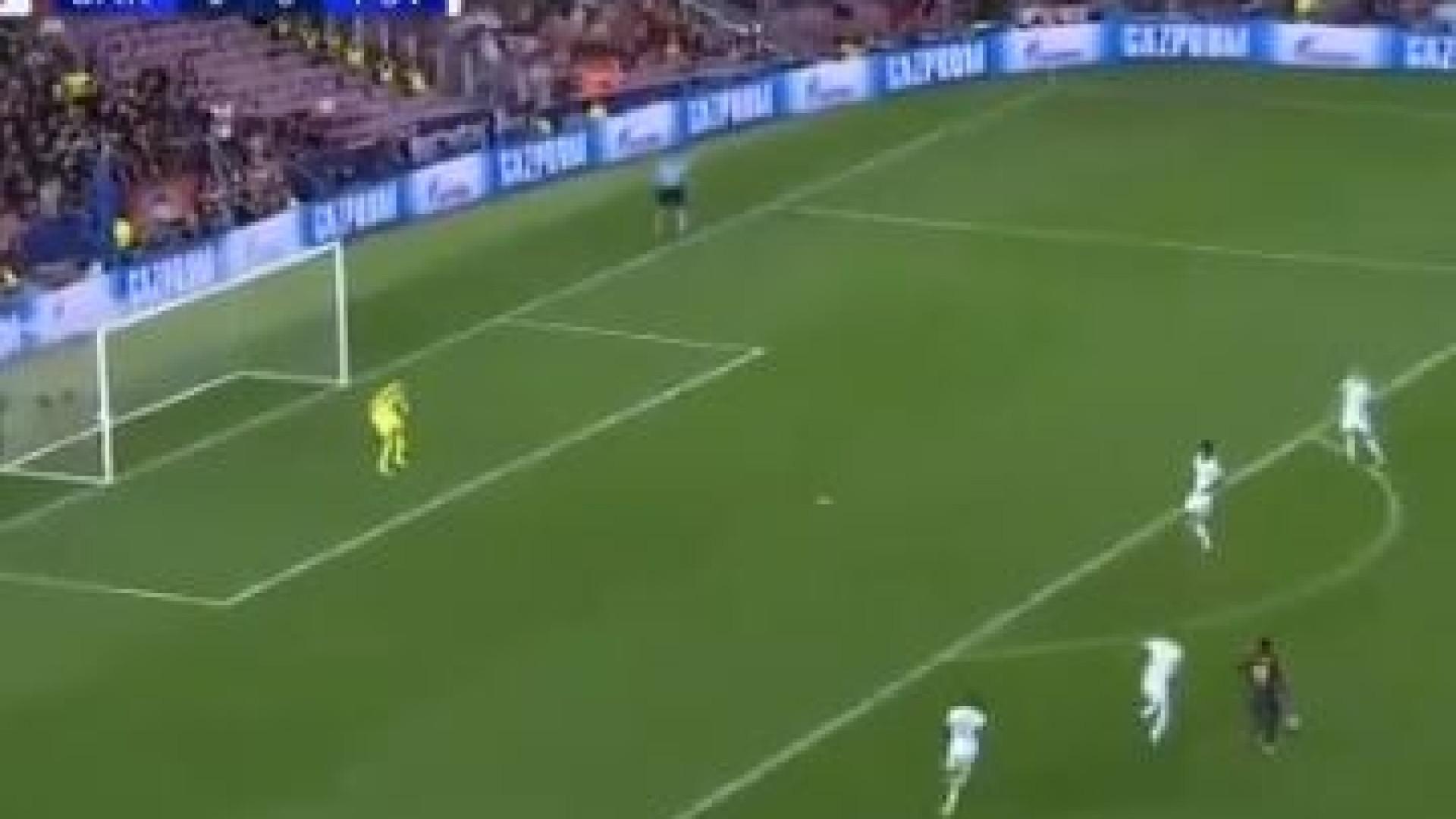 Dembele marca golo de fazer levantar o estádio frente ao PSV