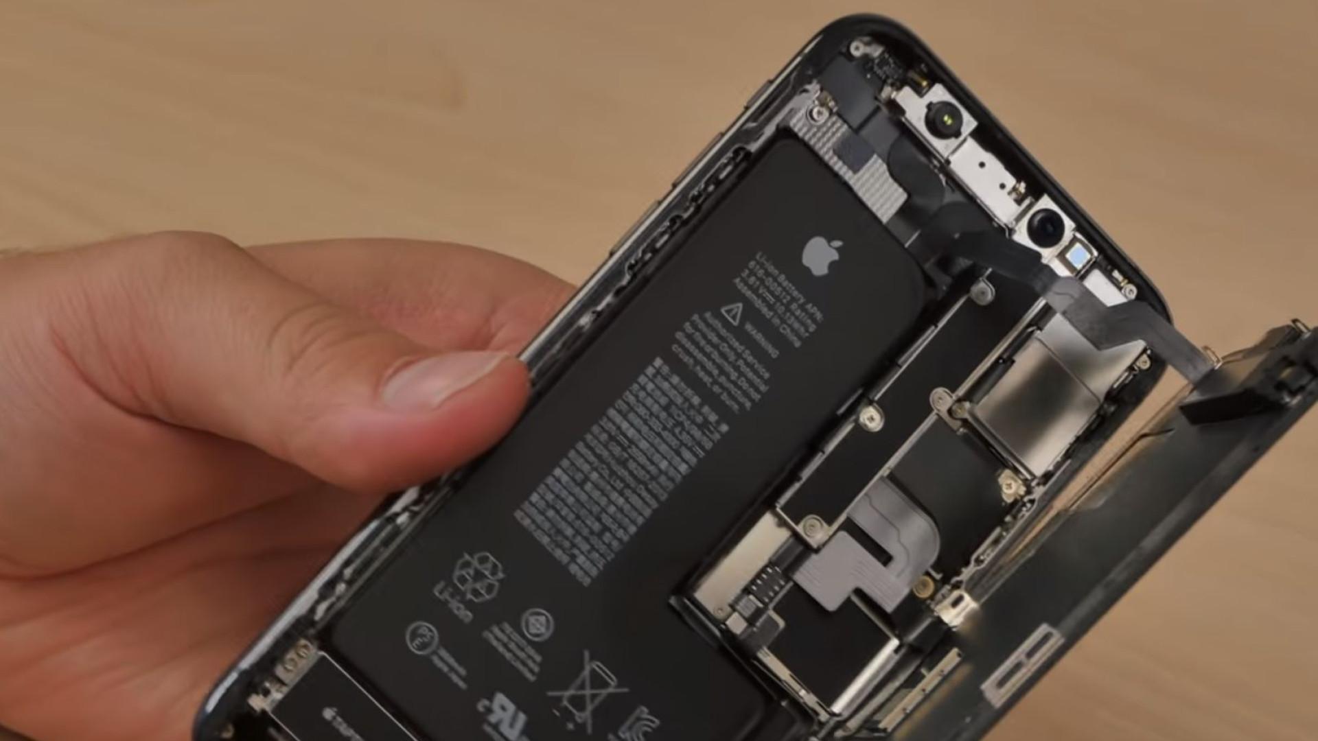 Ainda agora chegou e o iPhone XS já foi desmontado