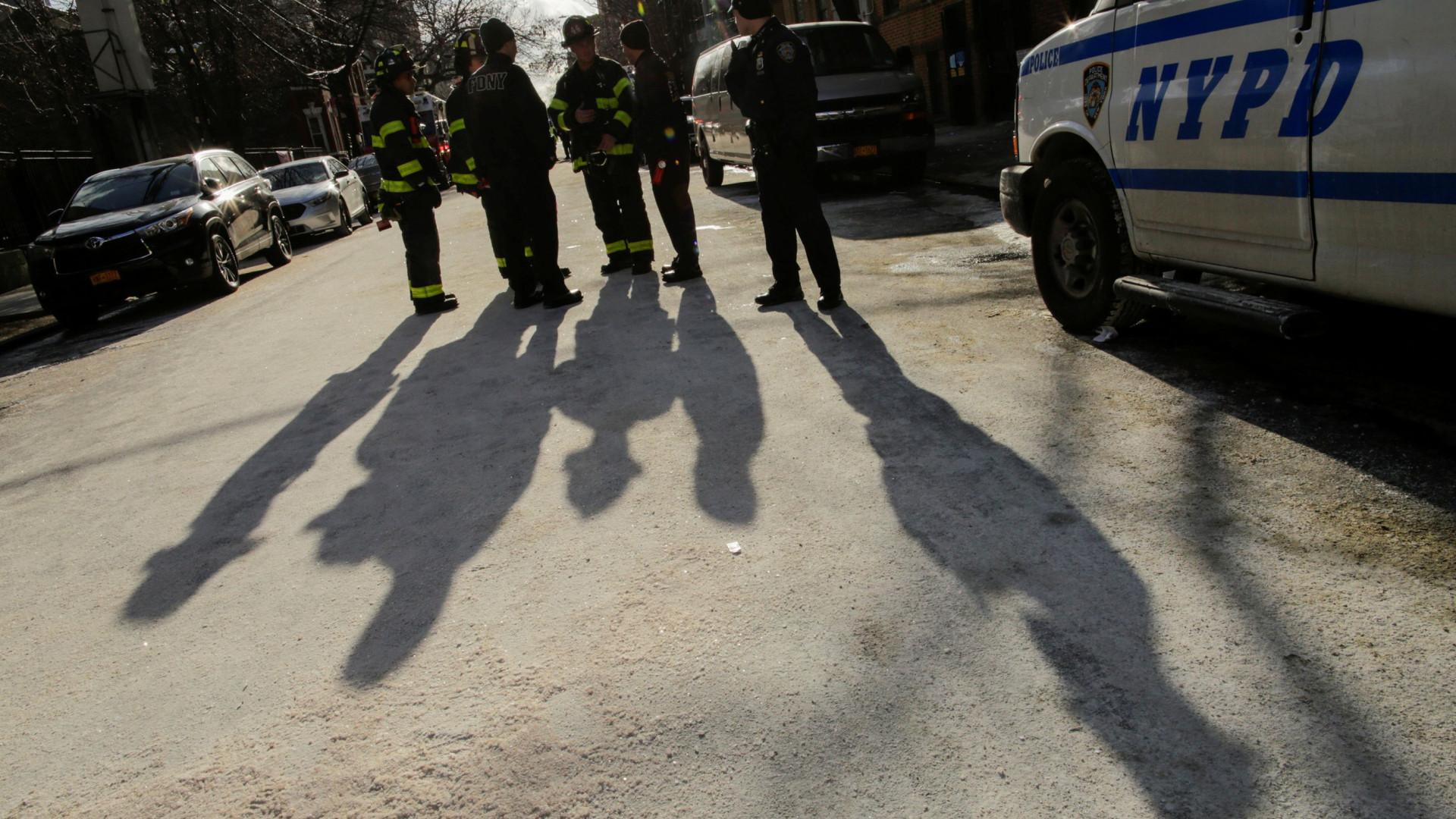 Cinco pessoas, entre elas crianças, esfaqueadas em creche em Nova Iorque