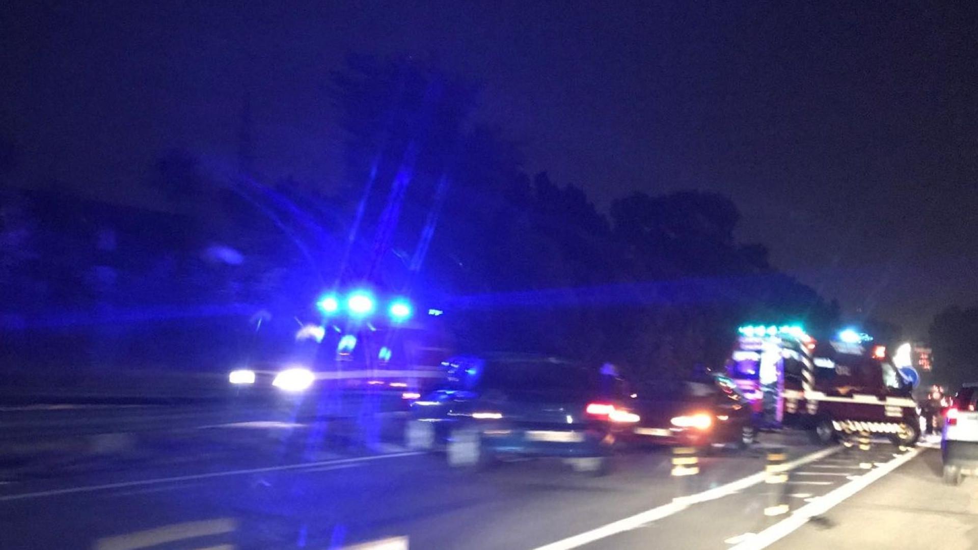 Via Norte condicionada após colisão com quatro viaturas