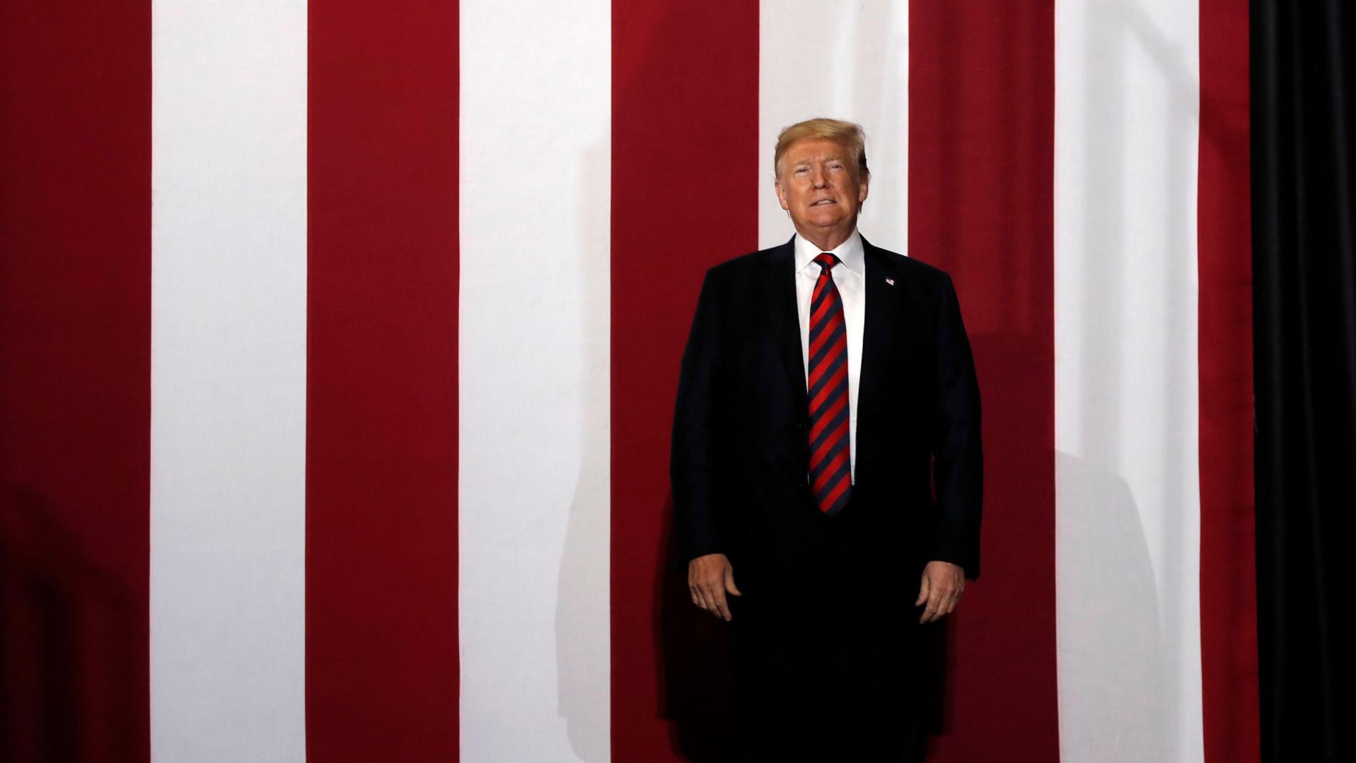 """Acusações contra juiz são """"totalmente políticas"""", garante Trump"""
