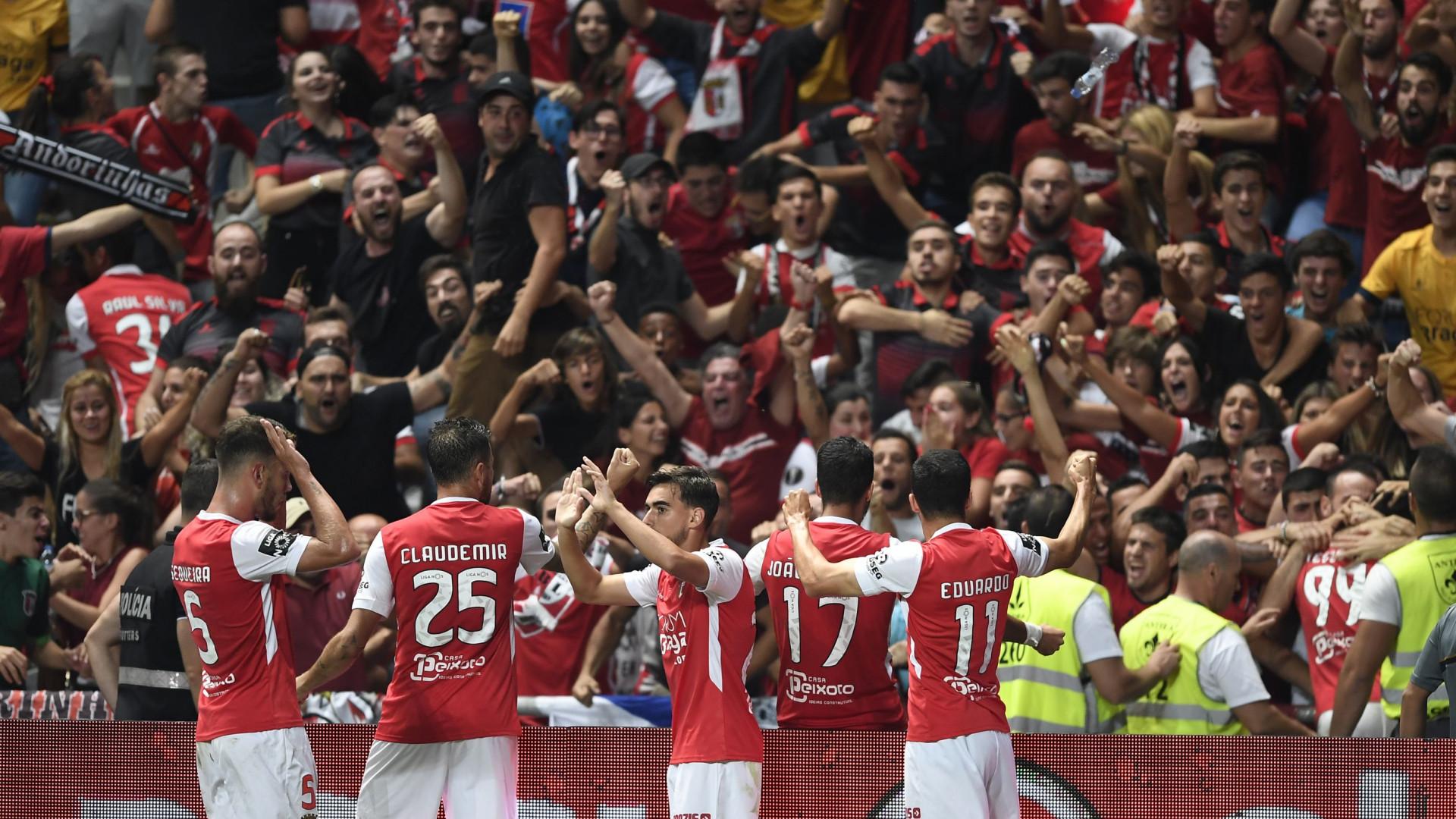 3436665c55 Leão cai em Braga e a liderança está  pintada  de vermelho