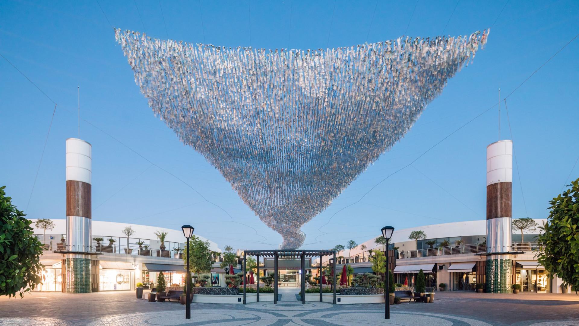 Freeport Lisboa inaugura maior escultura cinética suspensa da Europa