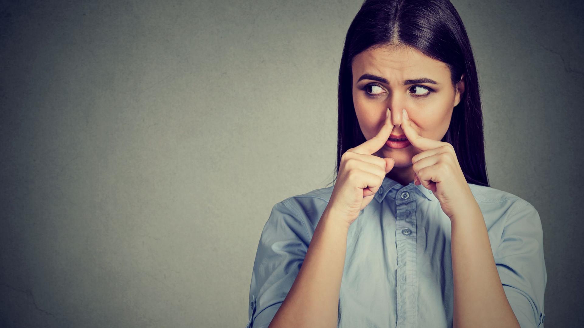 Odor corporal muda de acordo com as pessoas que o rodeiam