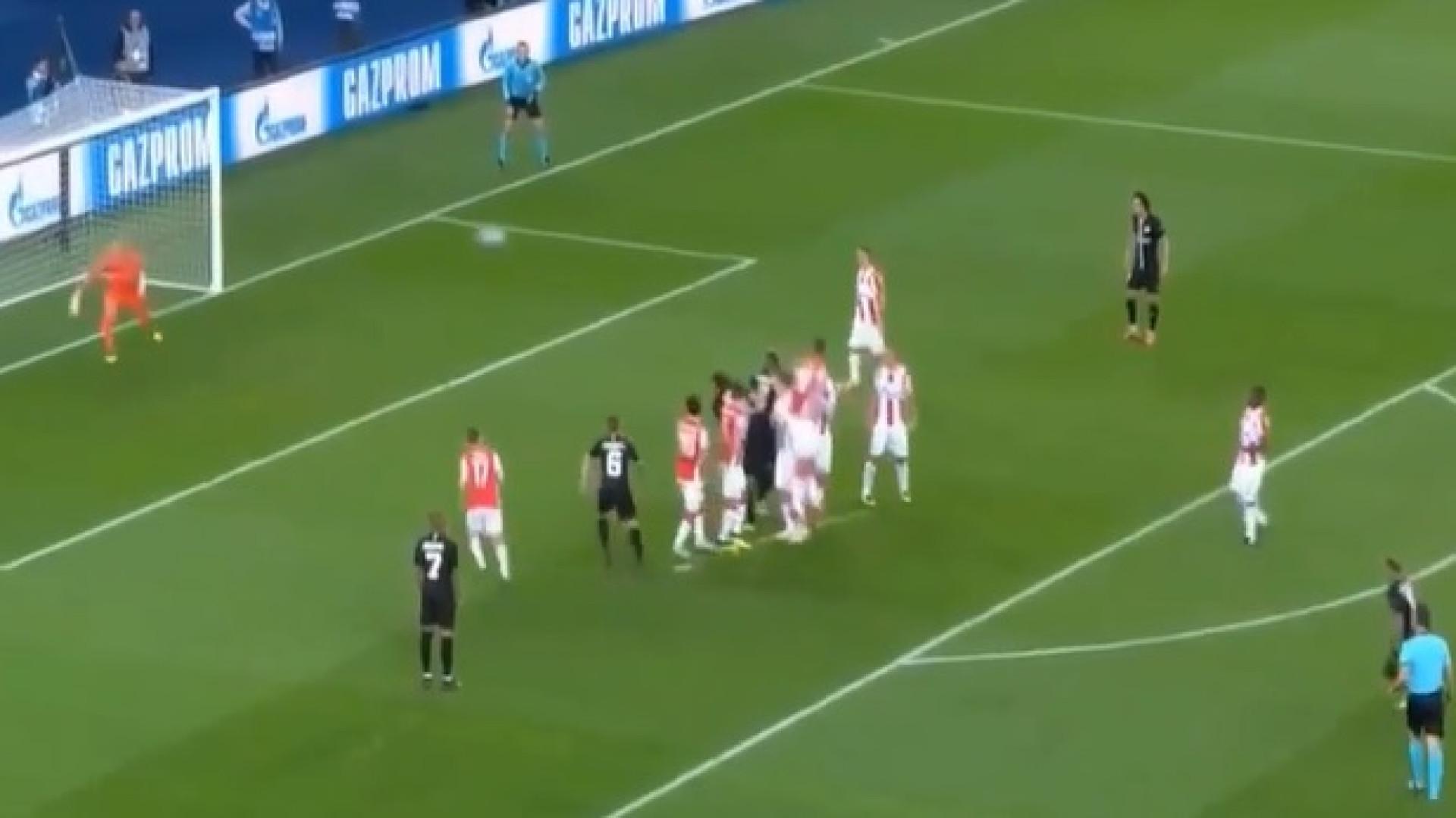 Neymar abre o marcador do PSG-Estrela Vermelha com livre exímio