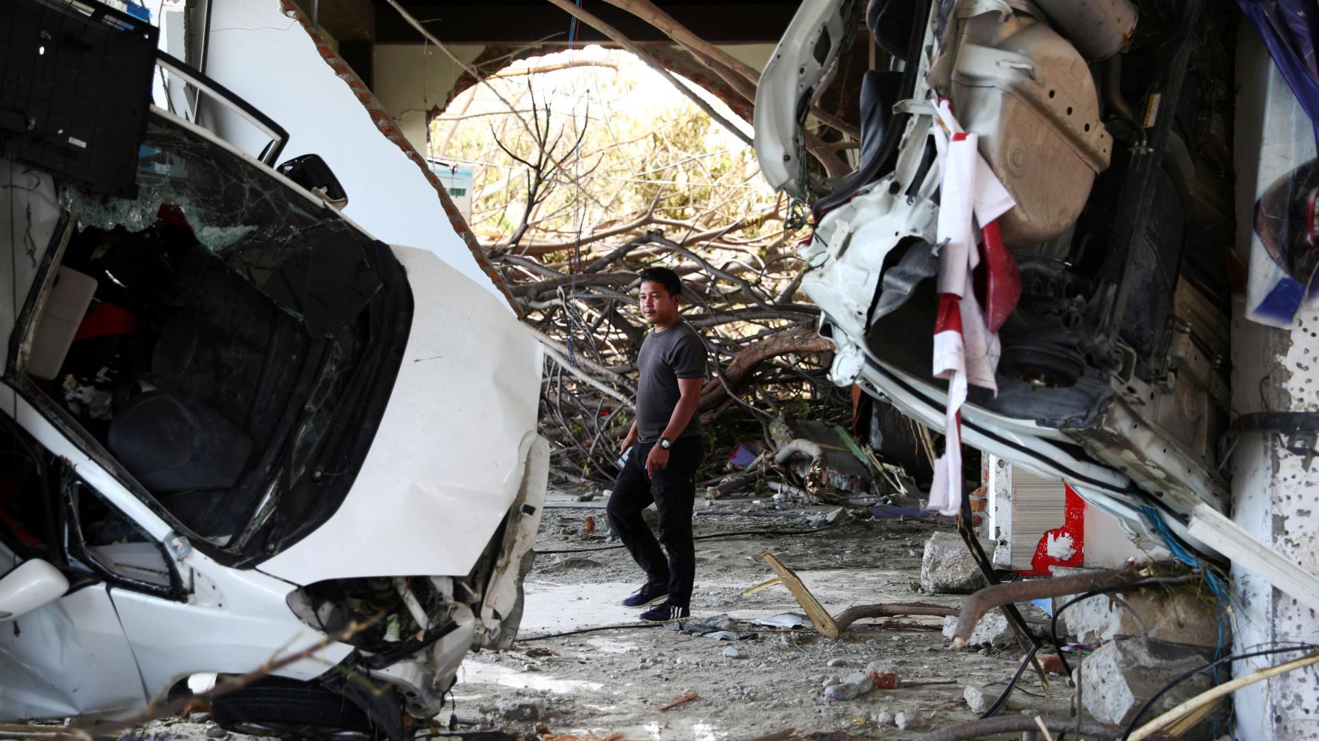 Dezenas de detidos por roubarem áreas atingidas por sismo e tsunami
