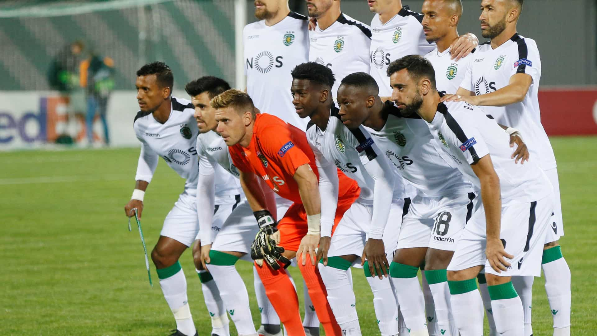 Sporting recorre ao branco e utiliza equipamento inédito na Ucrânia