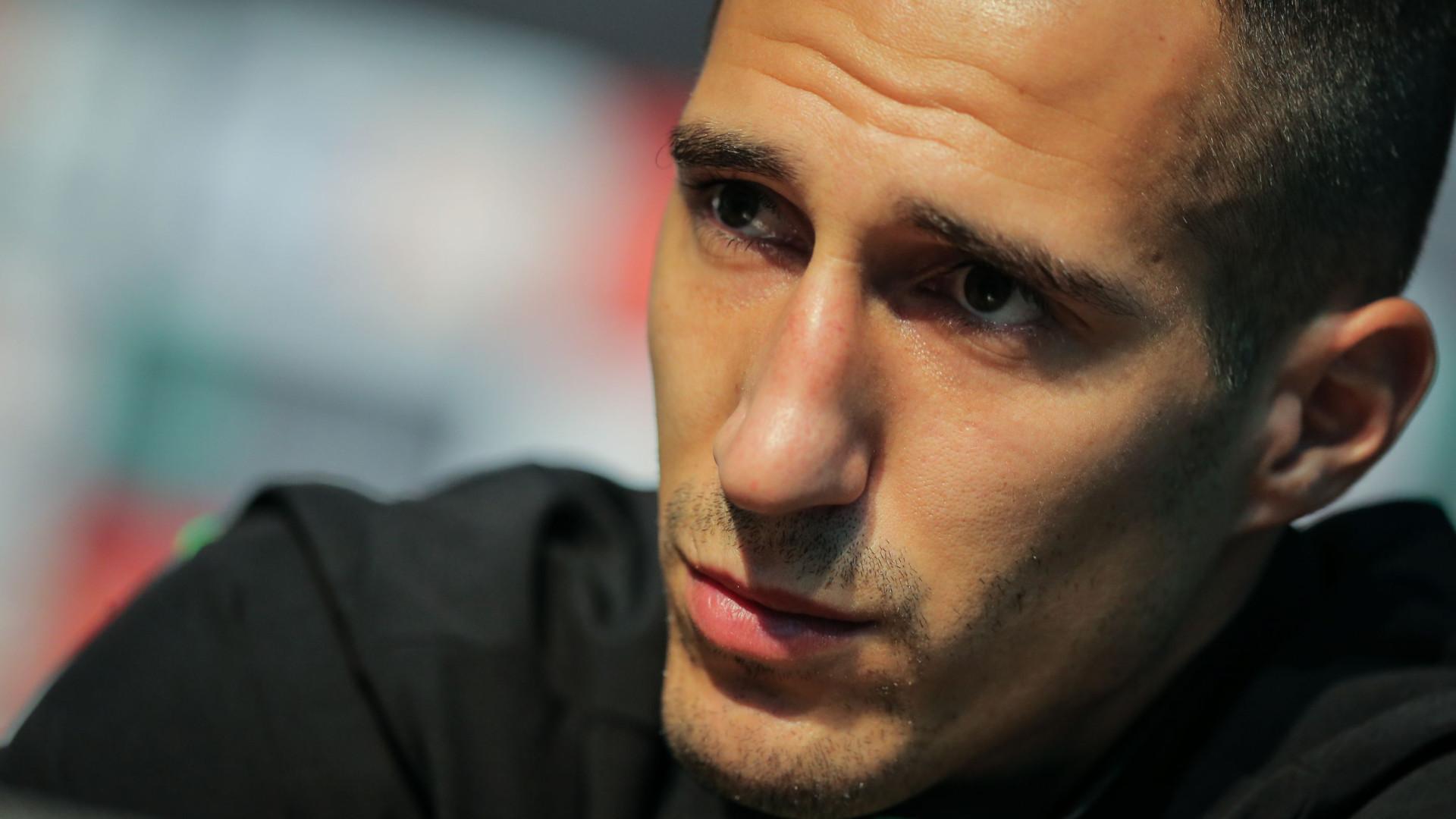 Petrovic 'pegou-se' com adeptos do Portimonense após o apito final