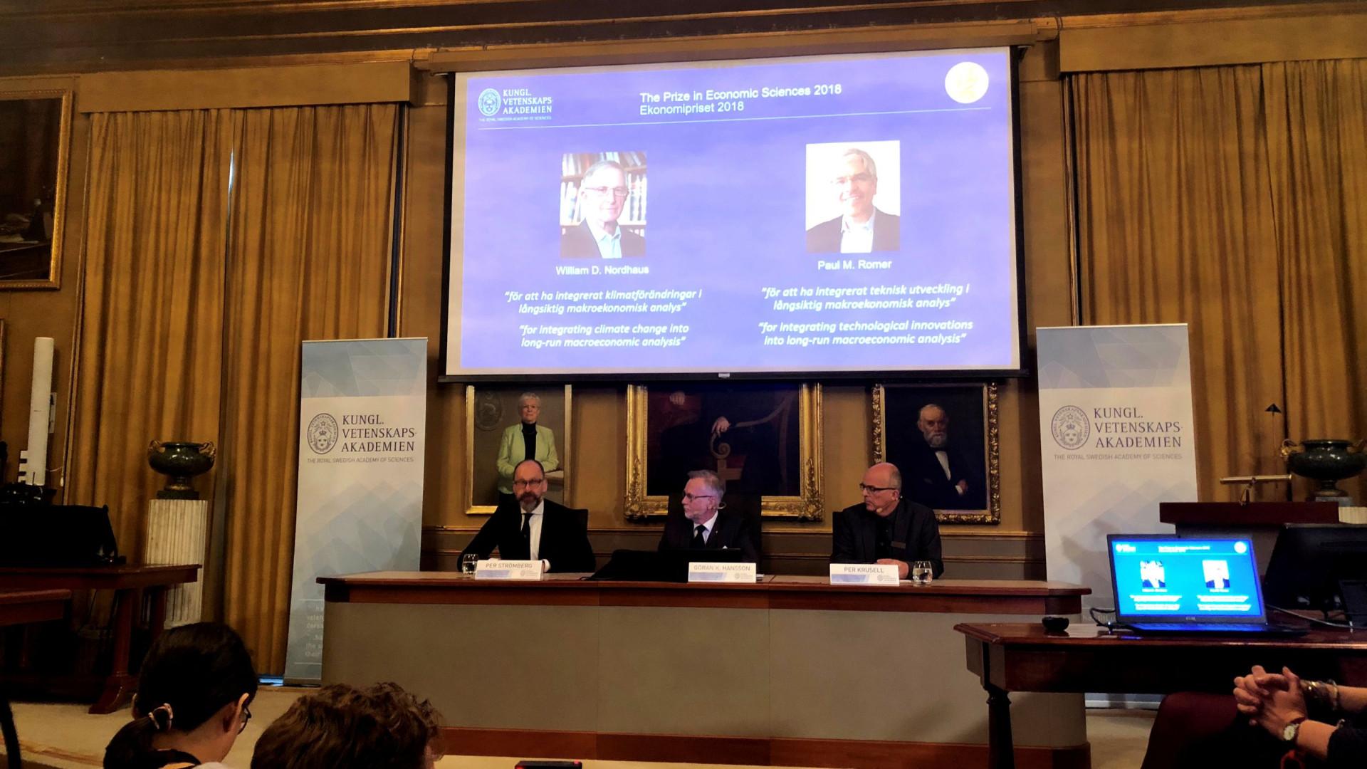 Prémio Nobel da Economia atribuído a William D. Nordhaus e Paul Romer
