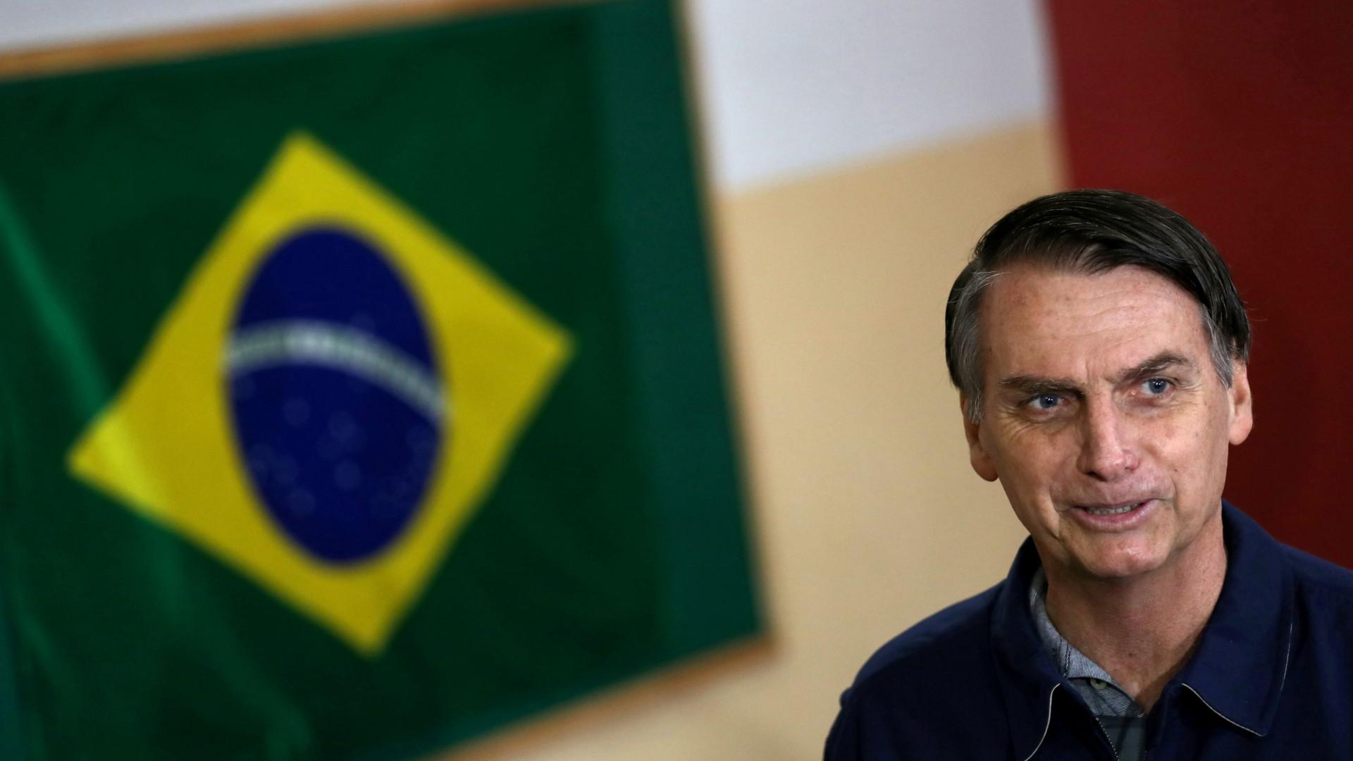Polícia realiza operação para investigar ameaça de morte contra Bolsonaro