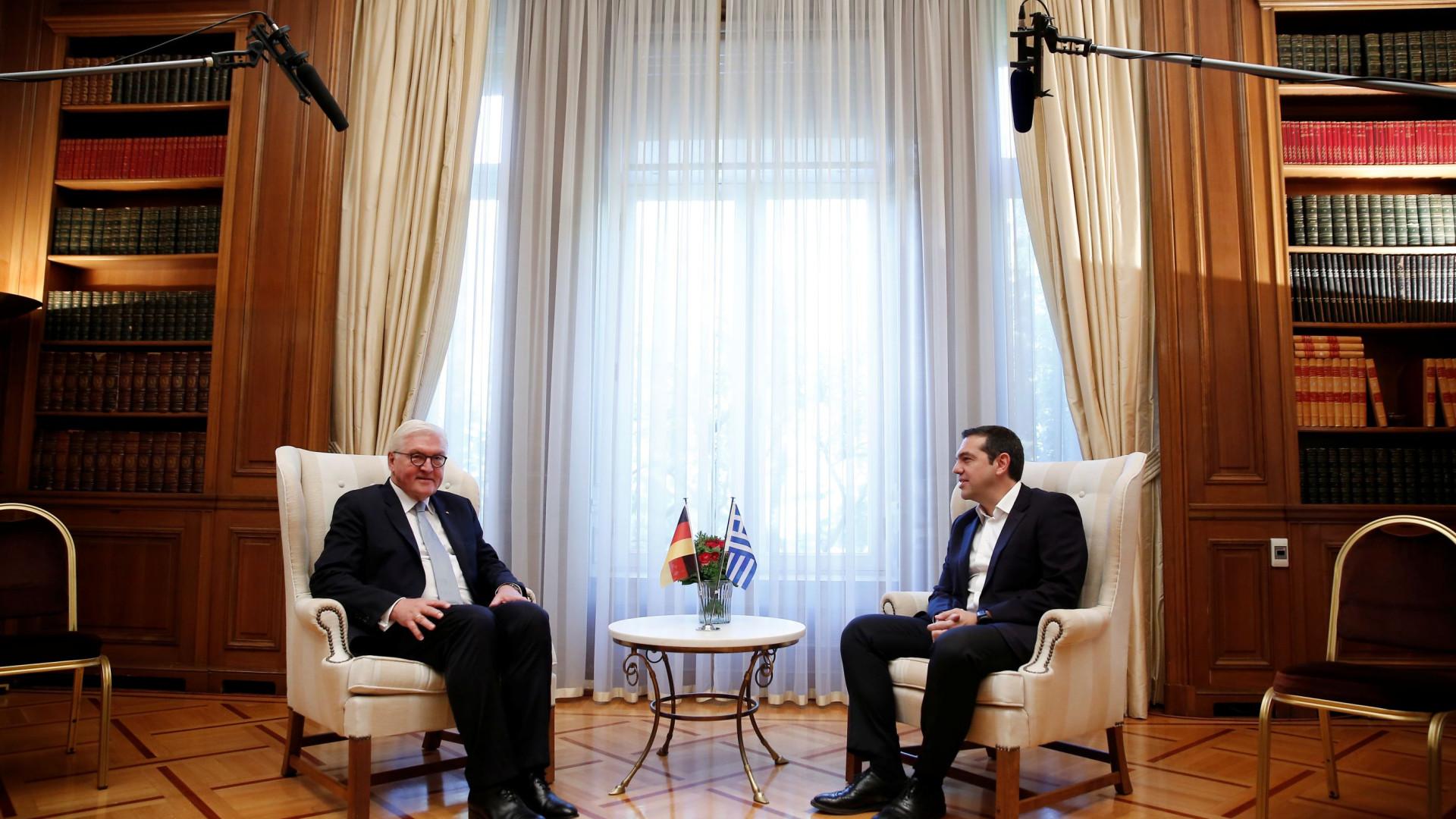 Presidente alemão pede desculpa em Atenas pelos crimes nazis na Grécia