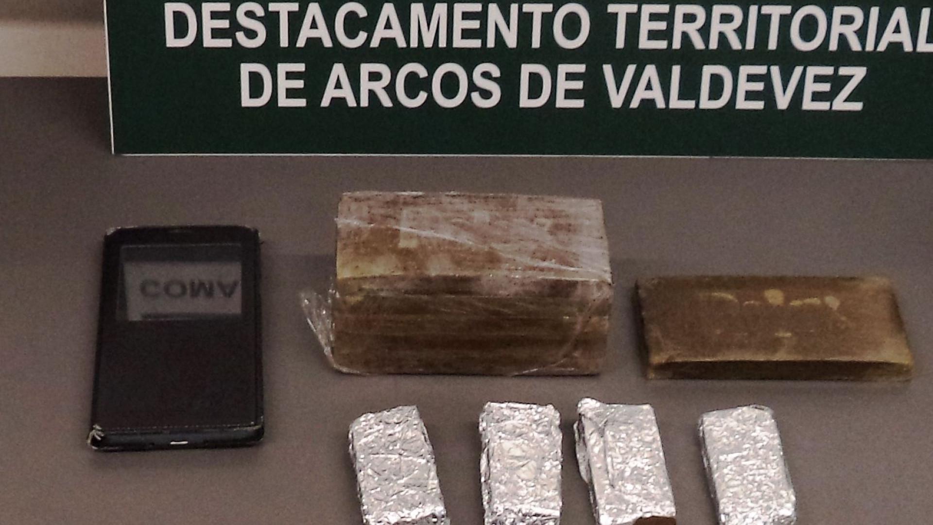 Detido na posse de mais de mil doses de haxixe
