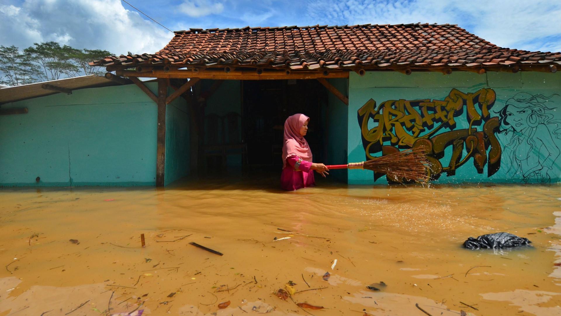 Pelo menos 11 crianças mortas em cheias na Indonésia
